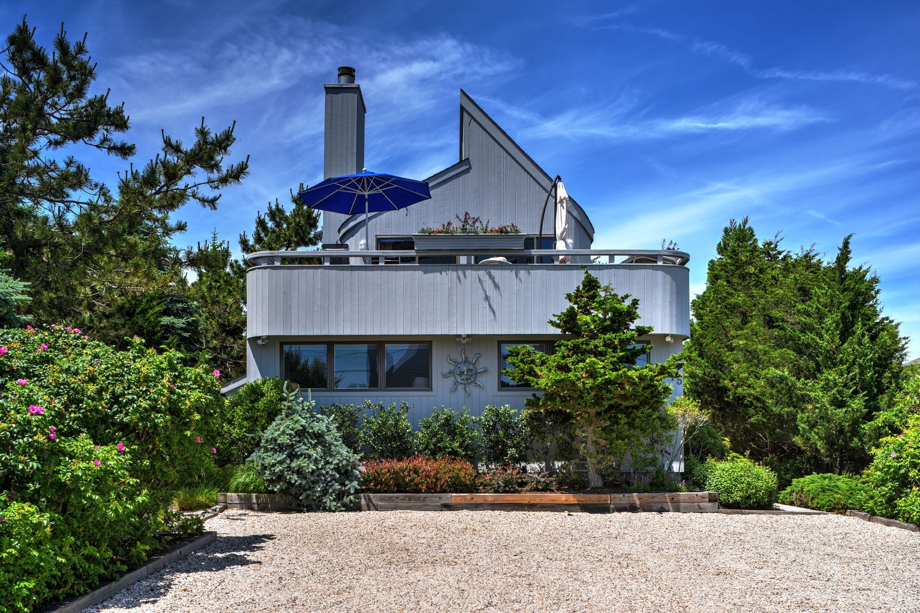 Single Family Homes for Sale at Amagansett Dunes Beach House 75 Osprey Road Amagansett, New York 11930 United States