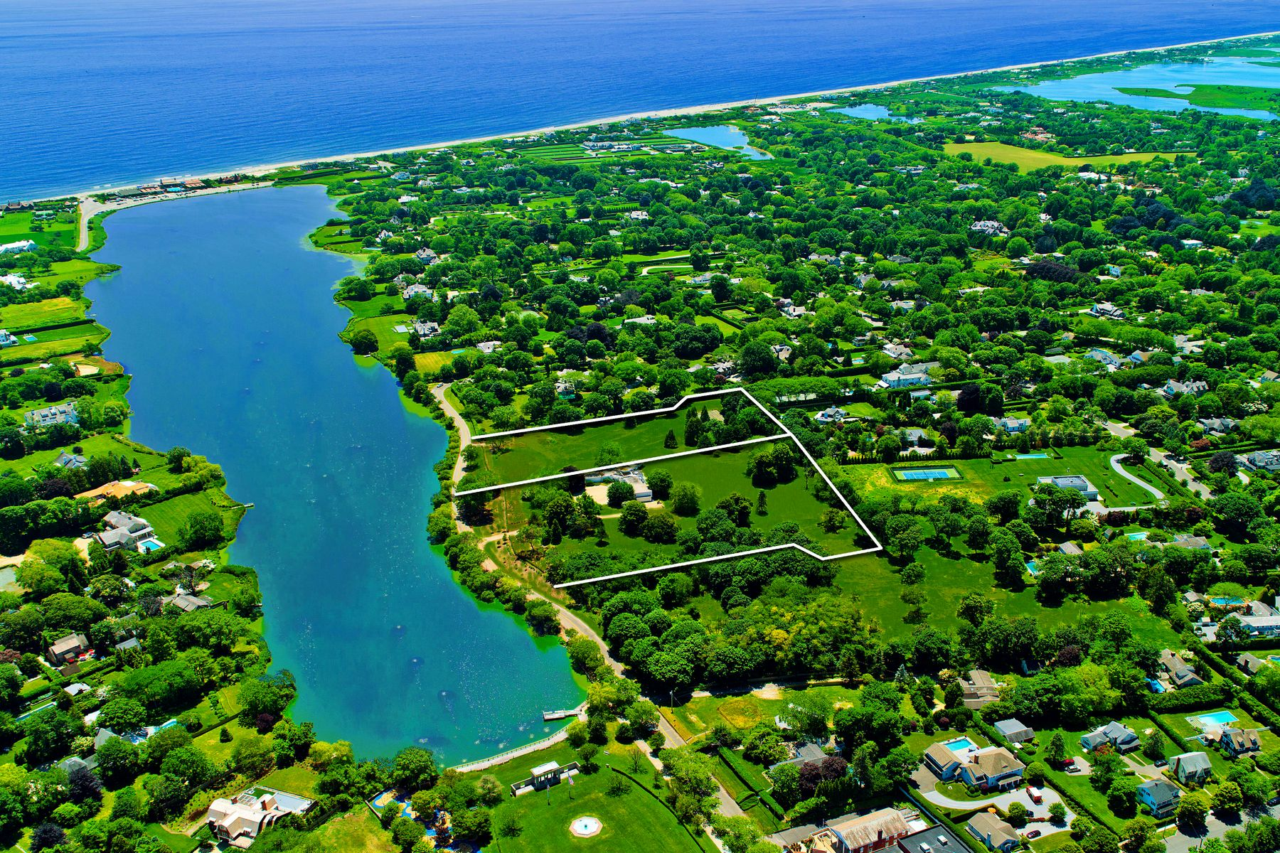 Additional photo for property listing at Spectacular Waterviews Over Lake Agawam 137,153 Pond Lane, Lot 4 & 5 南安普敦, 纽约 11968 美国