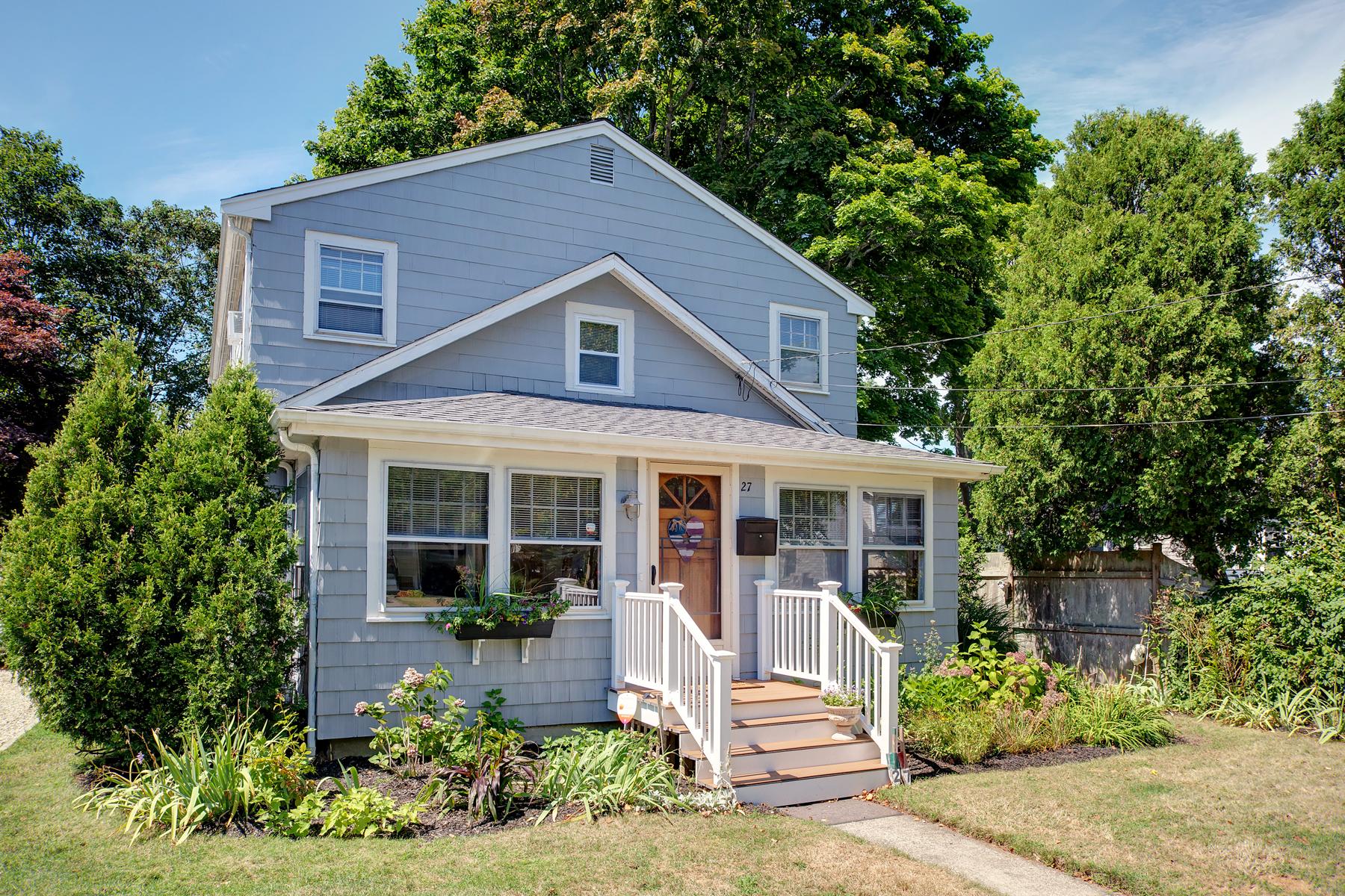 Single Family Homes 为 销售 在 27 Nye Road 法尔茅斯, 马萨诸塞州 02540 美国