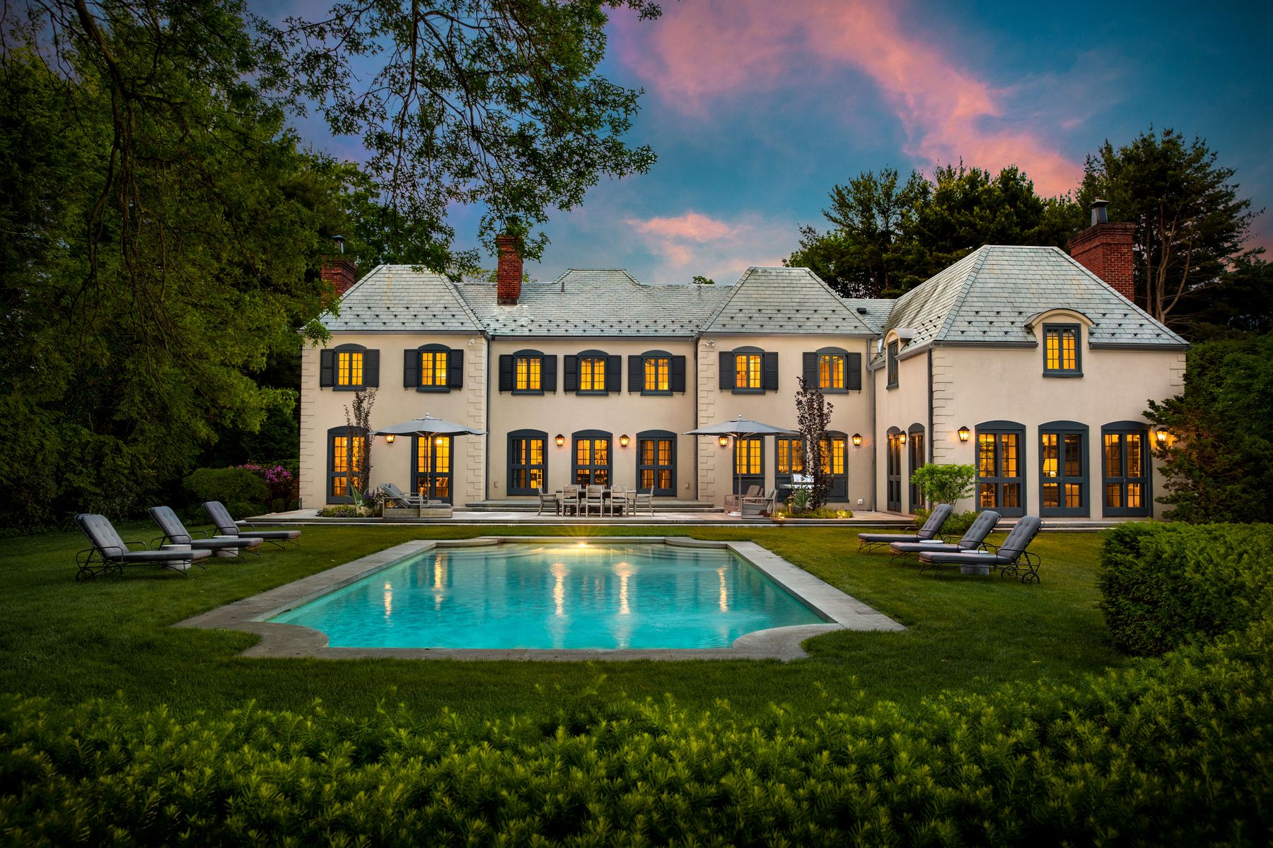 Single Family Homes for Sale at 266 Round Hill Road Greenwich, Connecticut 06831 United States