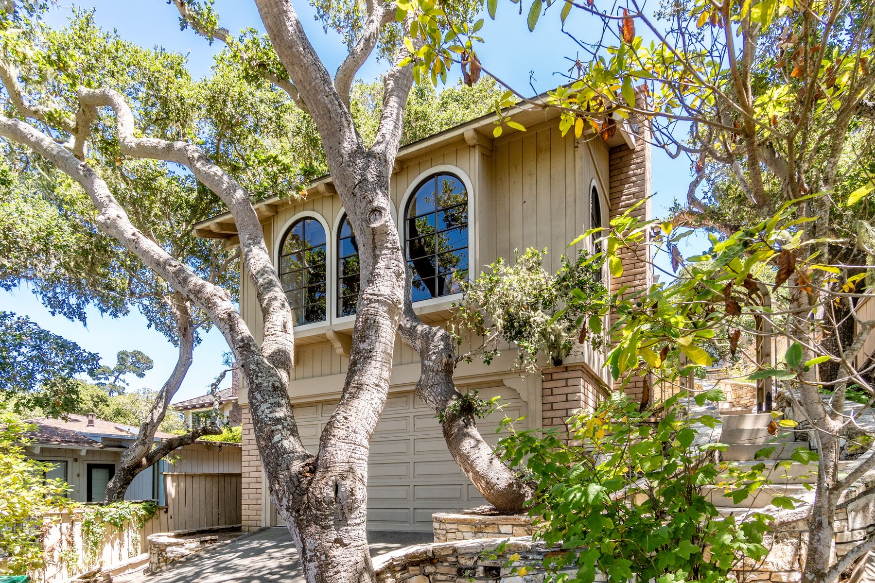Single Family Homes for Sale at Vintage Carmel Charm Casanova 6 Se Of 4th Carmel By The Sea, California 93921 United States