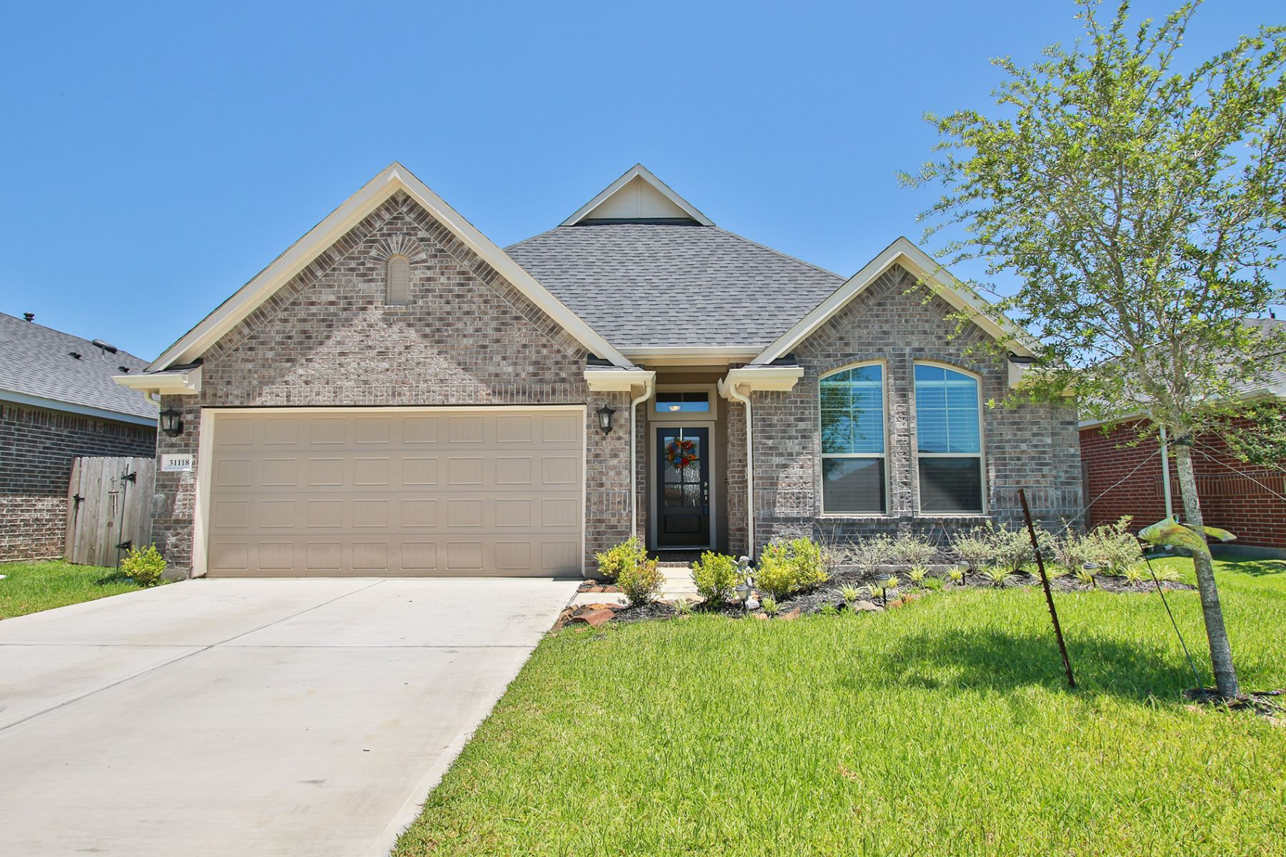 Single Family Homes for Sale at 31118 Gulf Cypress Lane Hockley, Texas 77447 United States