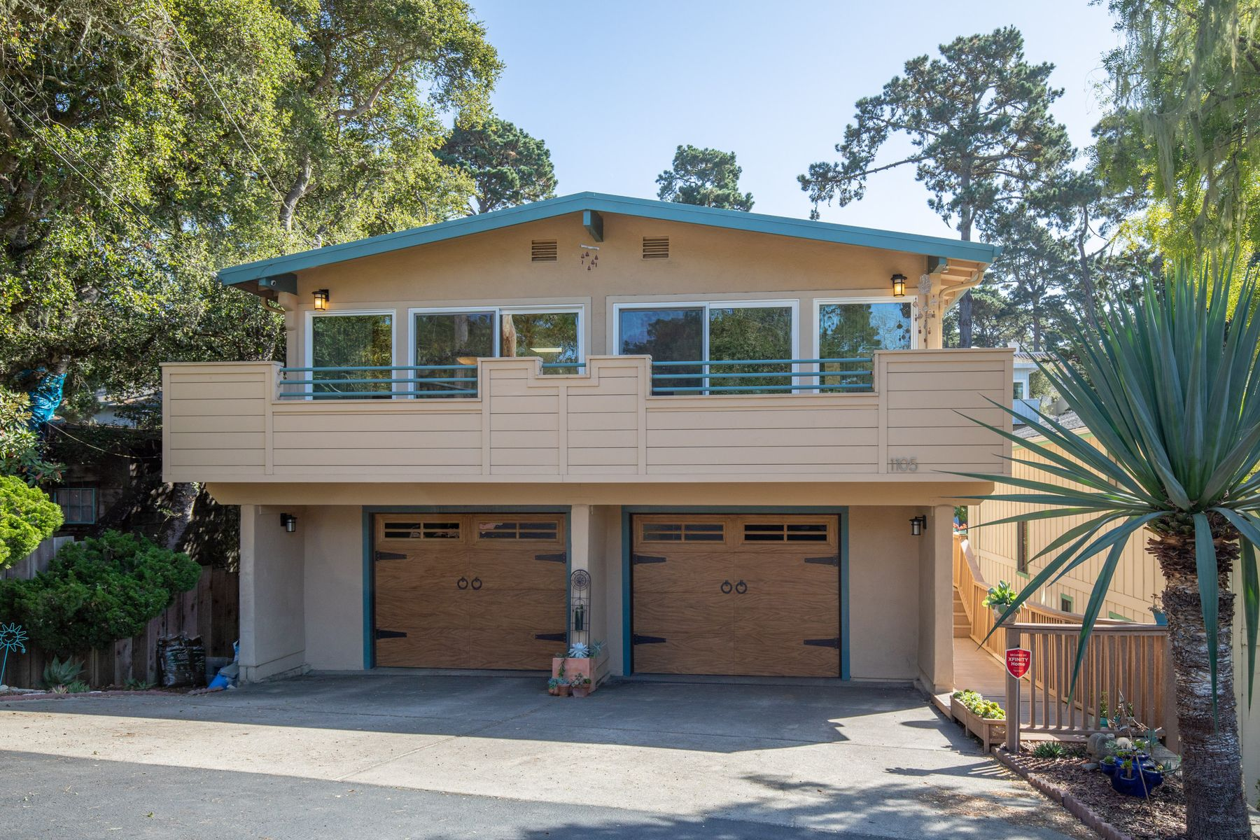 Single Family Homes for Sale at Great Updated 4 Bedroom in Pacific Grove 1105 Funston Avenue Pacific Grove, California 93950 United States