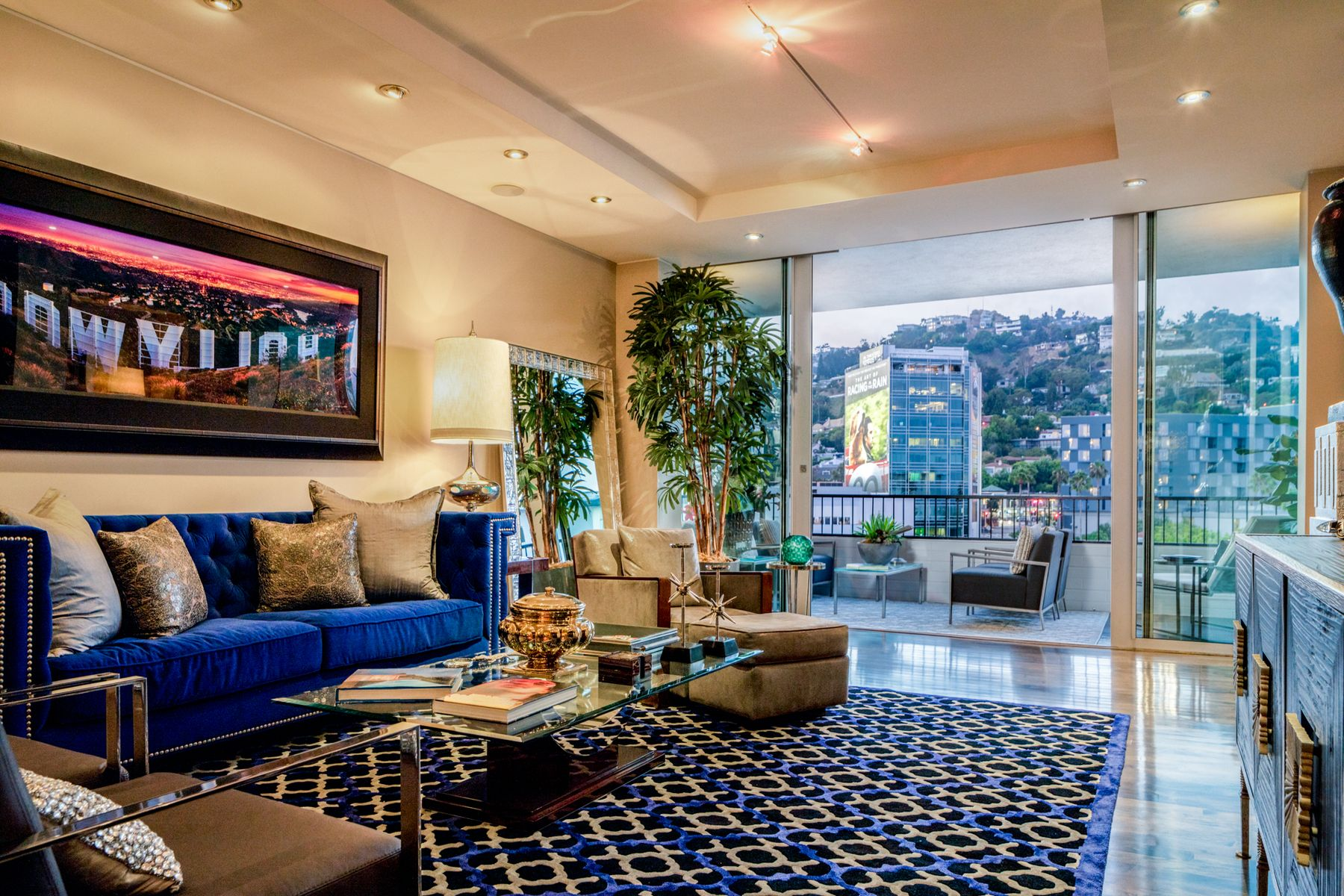 Apartments for Sale at EMPIRE WEST PENTHOUSE 1702 1100 Alta Loma Road Unit 1702 West Hollywood, California 90069 United States