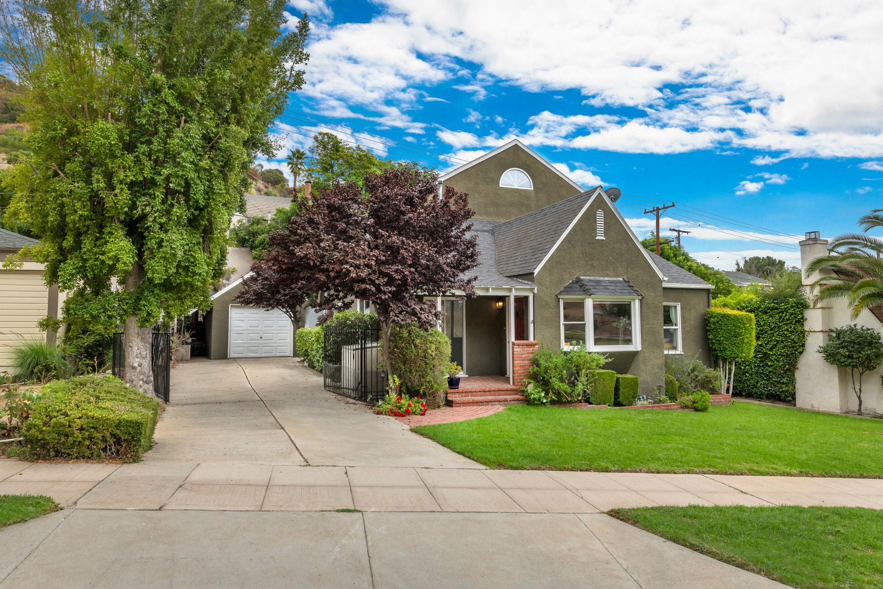 Single Family Homes for Sale at Charming Traditional in Glendale 750 Glenmore Boulevard Glendale, California 91206 United States