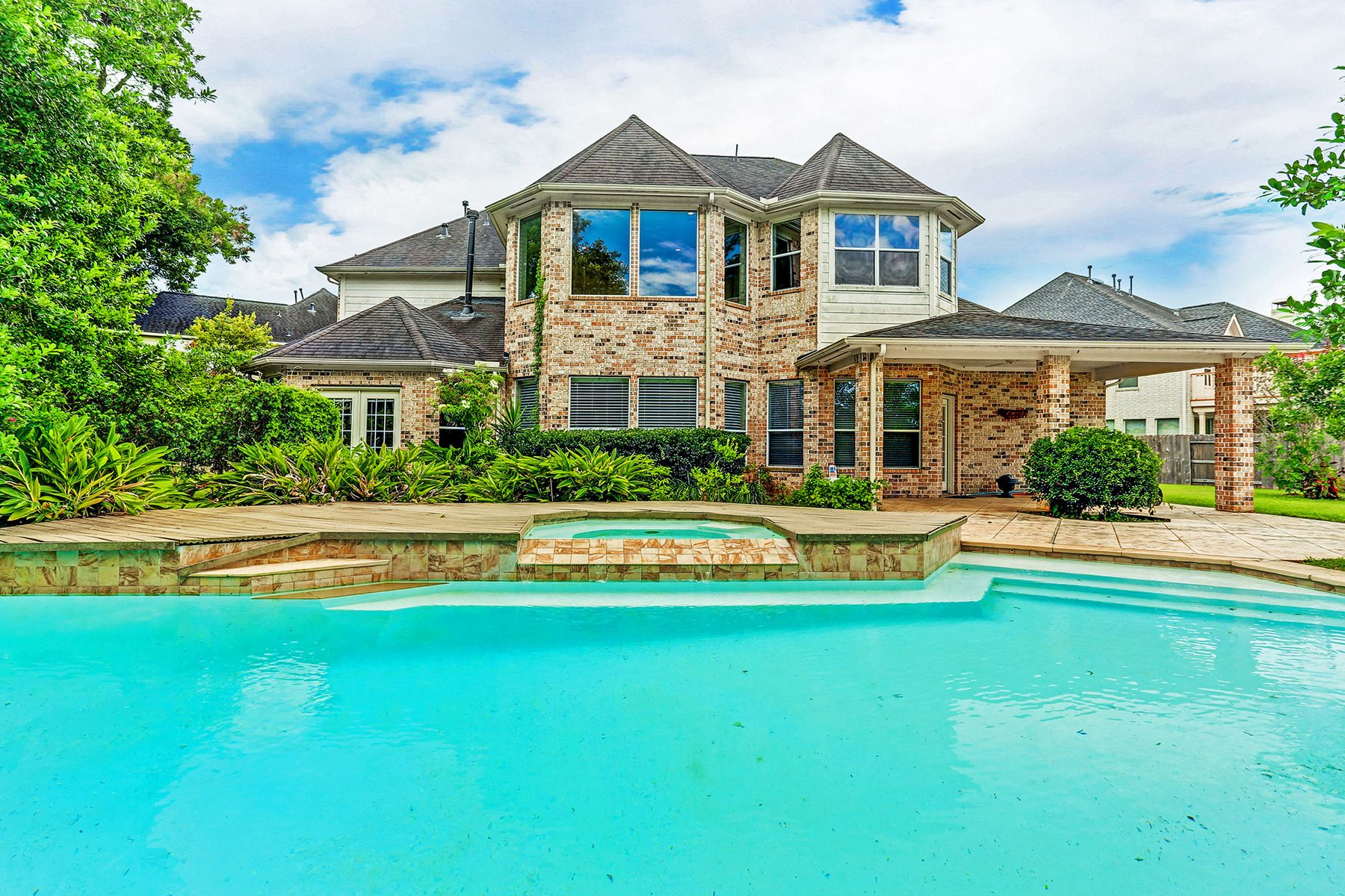 Single Family Homes for Sale at 3923 Lakeridge Canyon Drive Sugar Land, Texas 77498 United States