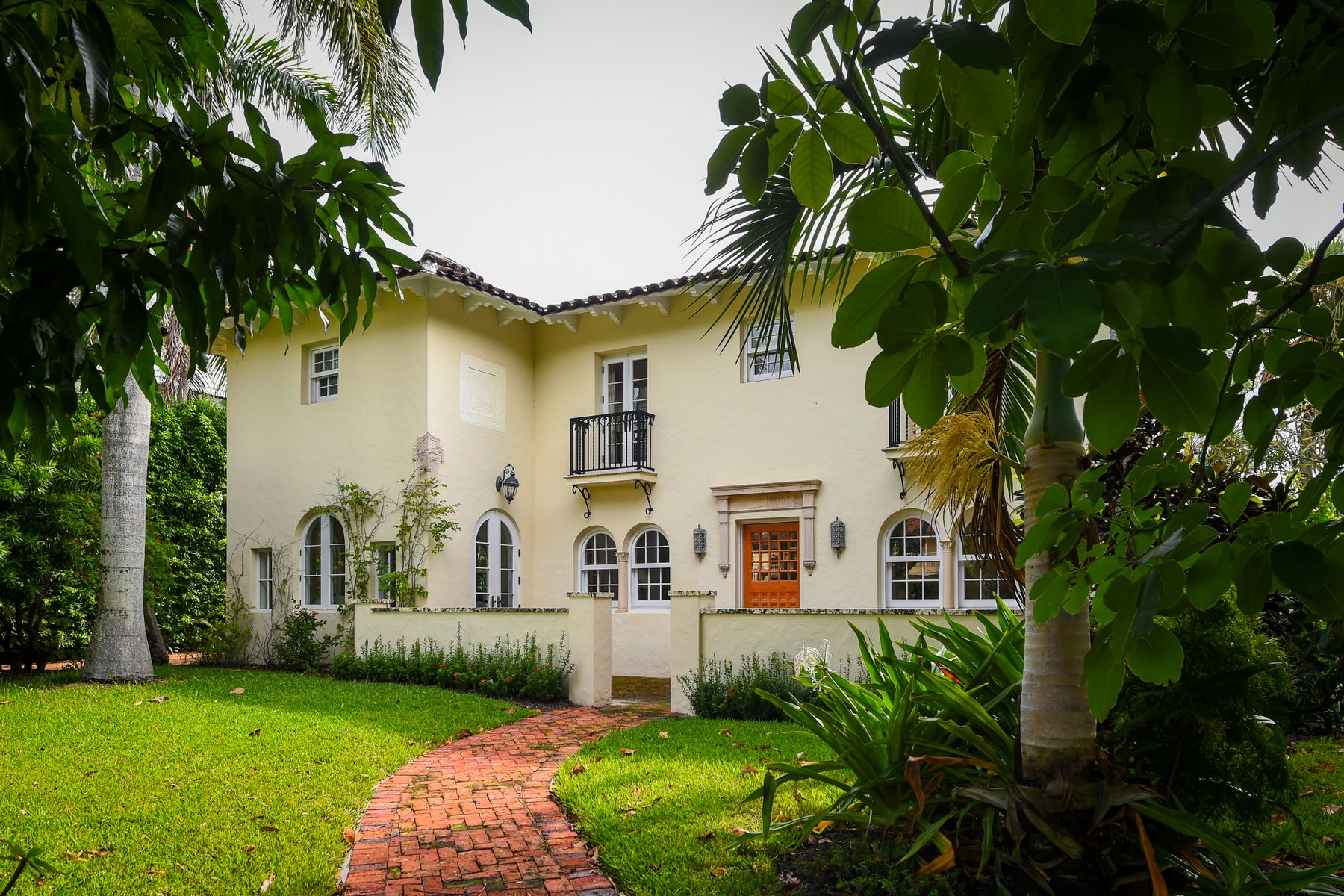Single Family Homes for Sale at Clarke Avenue Mediterranean 156 Clarke Ave Palm Beach, Florida 33480 United States
