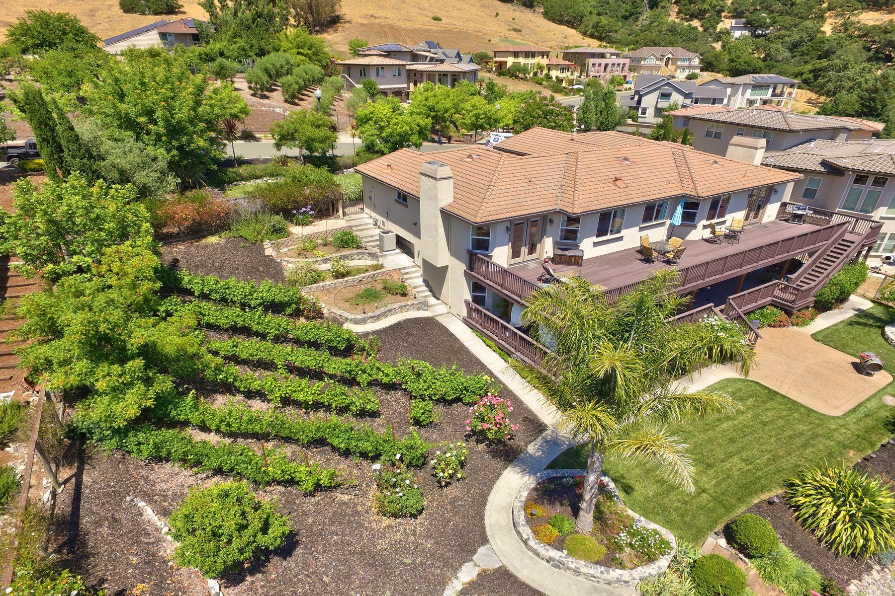 Single Family Homes for Sale at Fabulous Santa Rosa Views 5316 Stow Cir Santa Rosa, California 95409 United States