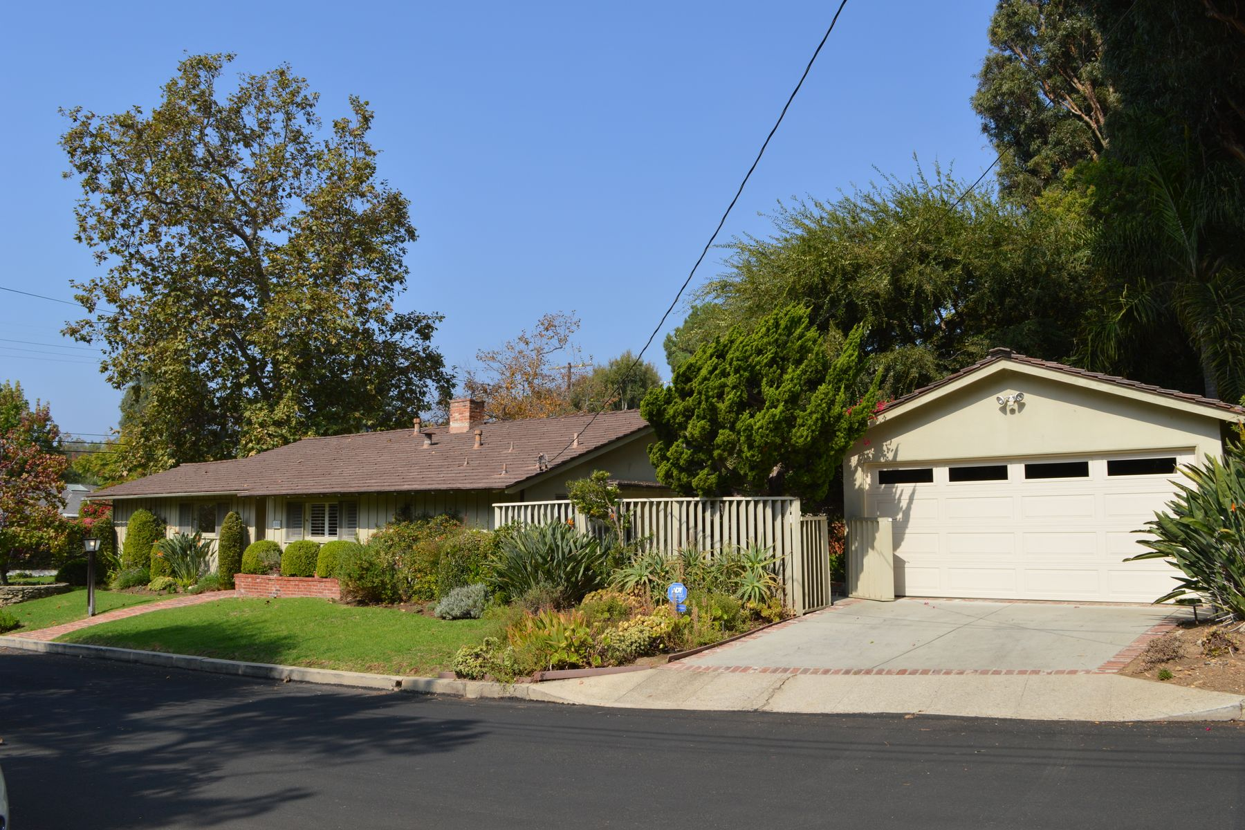 Single Family Homes for Sale at 1000 Las Pulgas Road Pacific Palisades, California 90272 United States