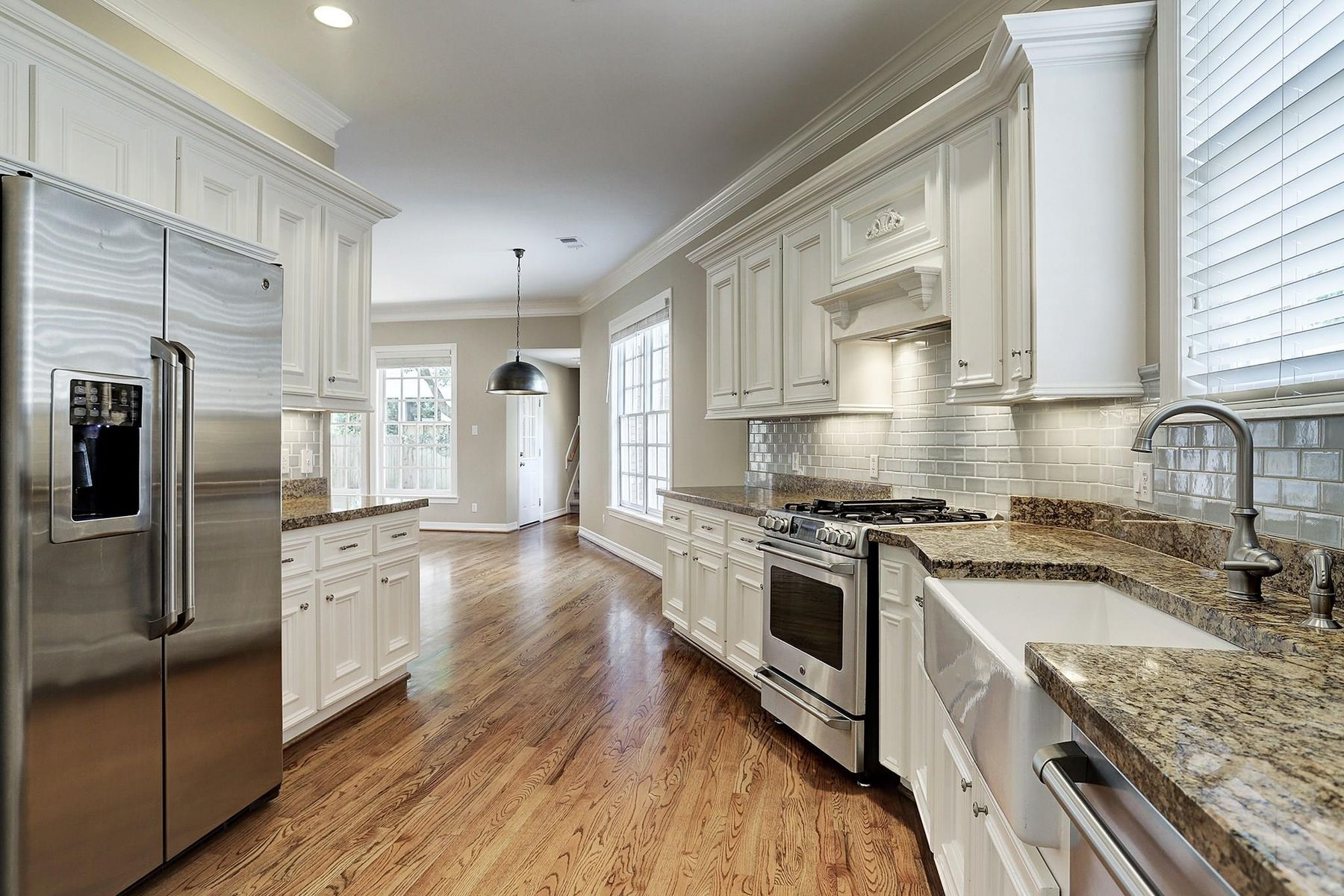 Additional photo for property listing at  West University Place, Texas 77005 États-Unis