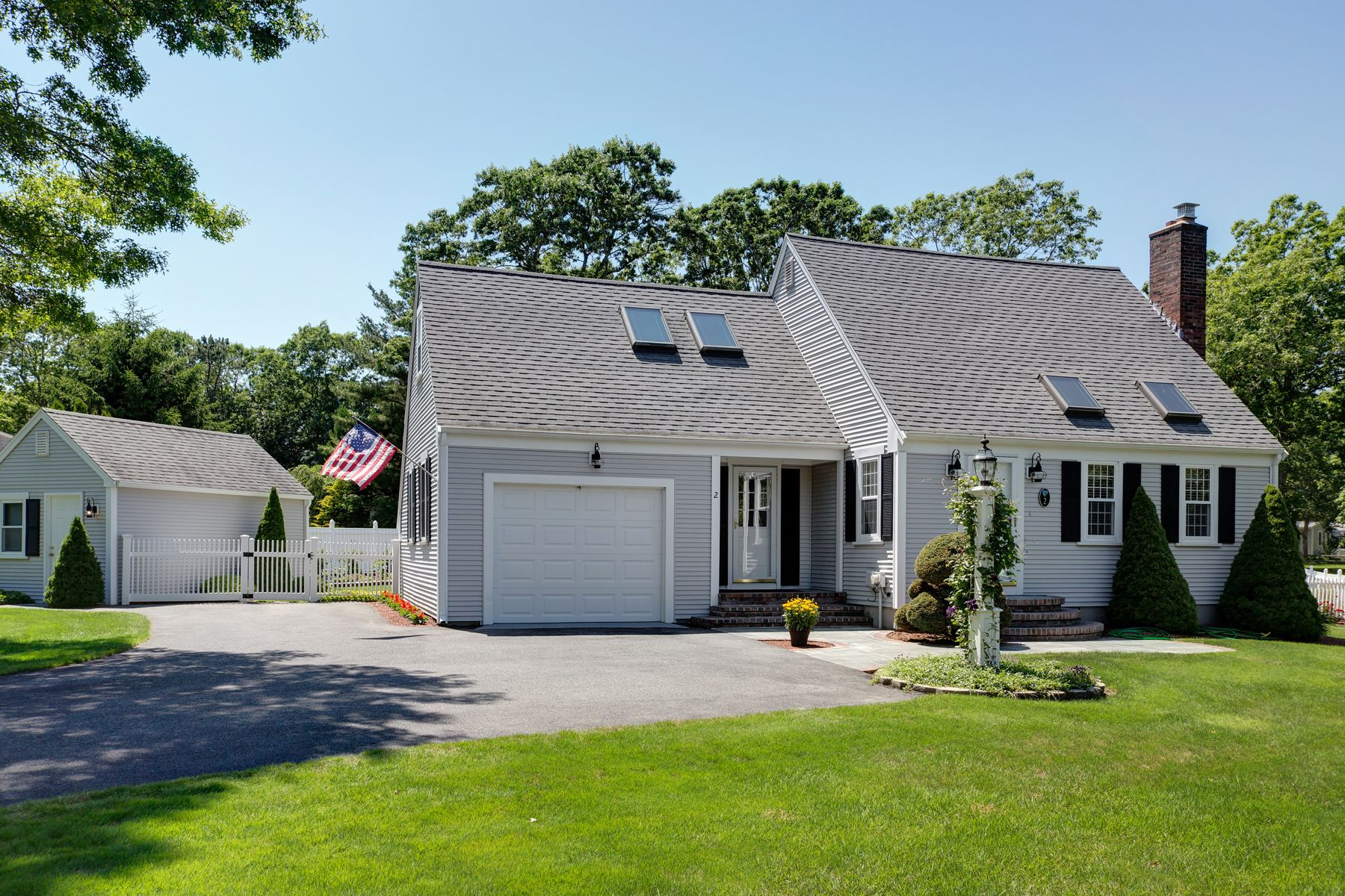Single Family Homes for Sale at Exquisite Sunny Cape 2 Tabor Road Forestdale, Massachusetts 02644 United States