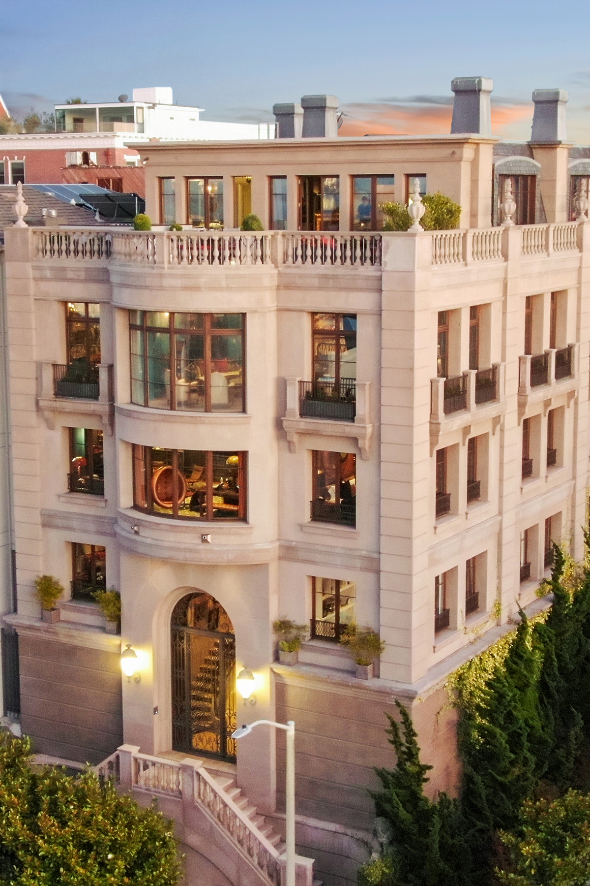 Single Family Homes for Sale at Bay View Mansion On Legendary Gold Coast 2799 Broadway San Francisco, California 94115 United States