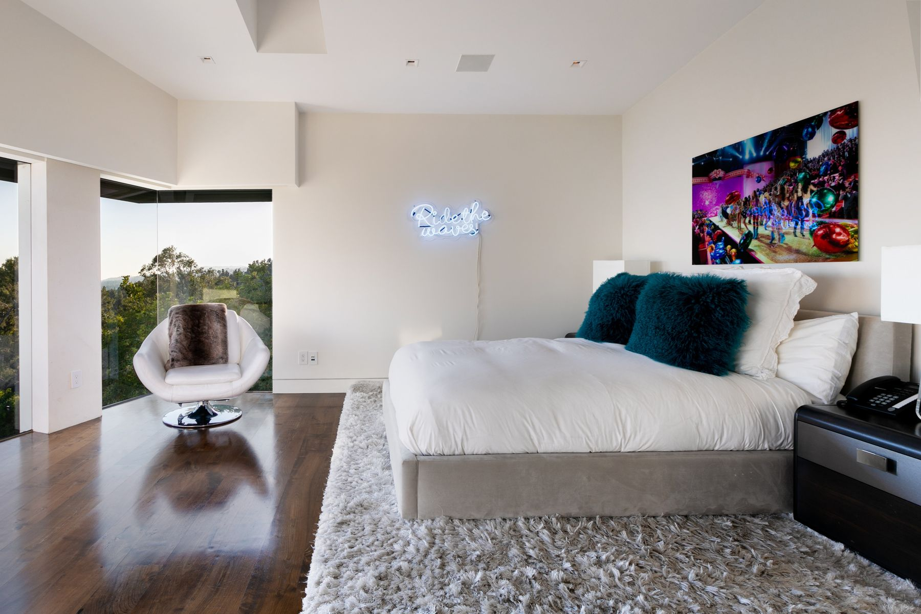 Additional photo for property listing at 9380 Sierra Mar Drive Los Angeles, California 90069 Estados Unidos