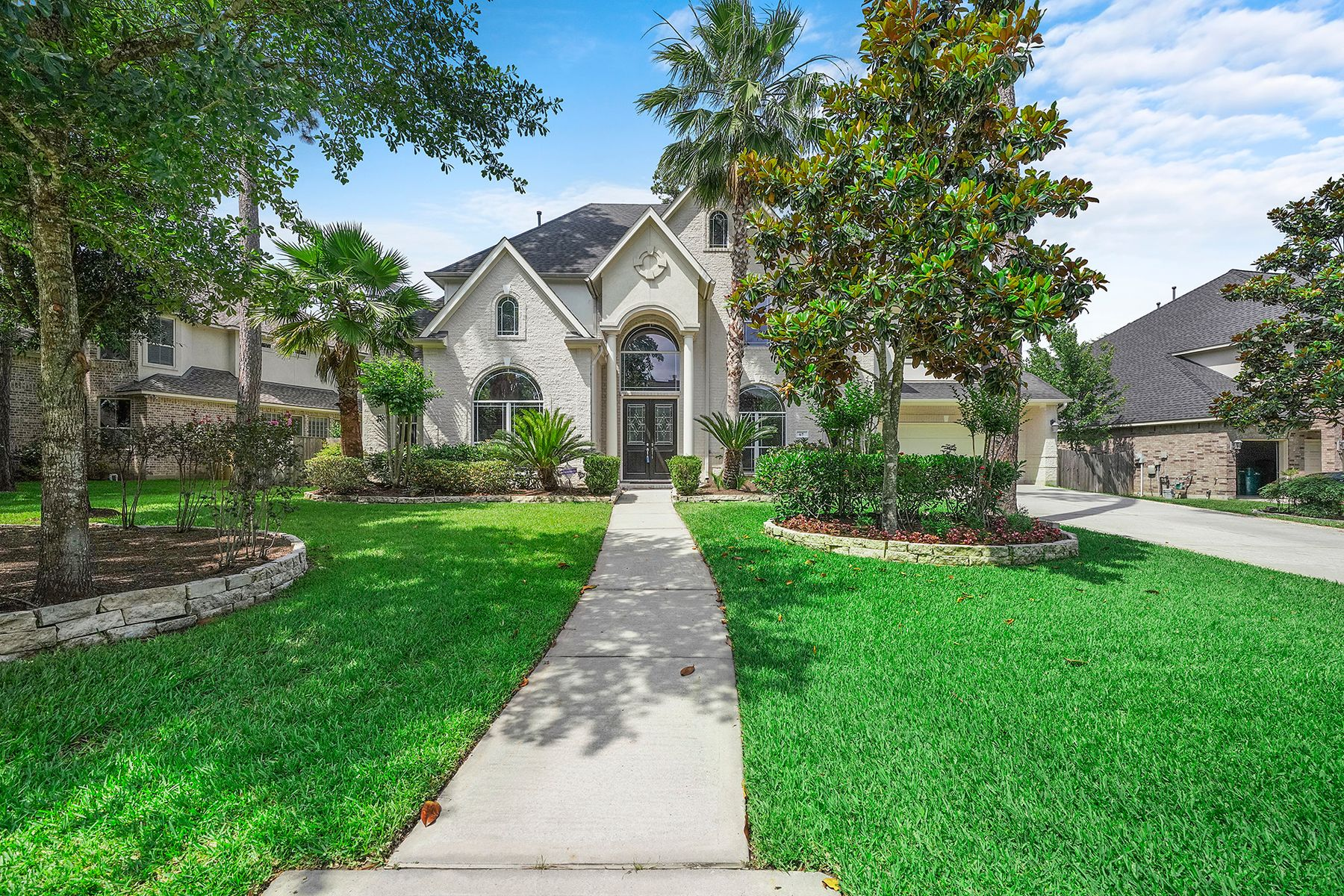 Single Family Homes for Sale at 67 Old Sterling Circle The Woodlands, Texas 77382 United States