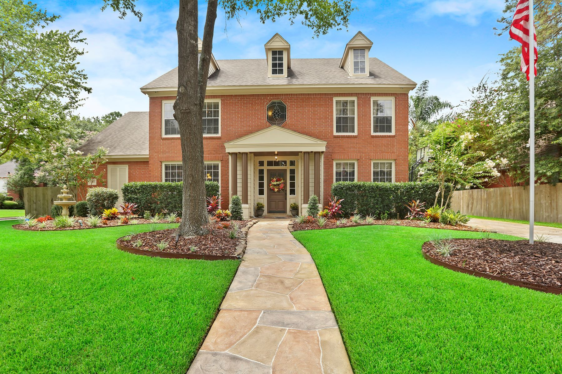 Single Family Homes for Sale at 5803 Mountain View Drive Kingwood, Texas 77345 United States