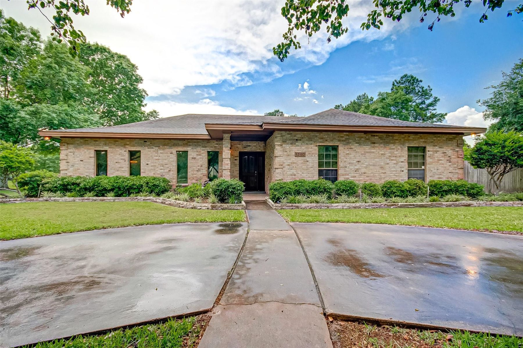 Single Family Homes for Sale at 13103 Blossomheath Road Cypress, Texas 77429 United States