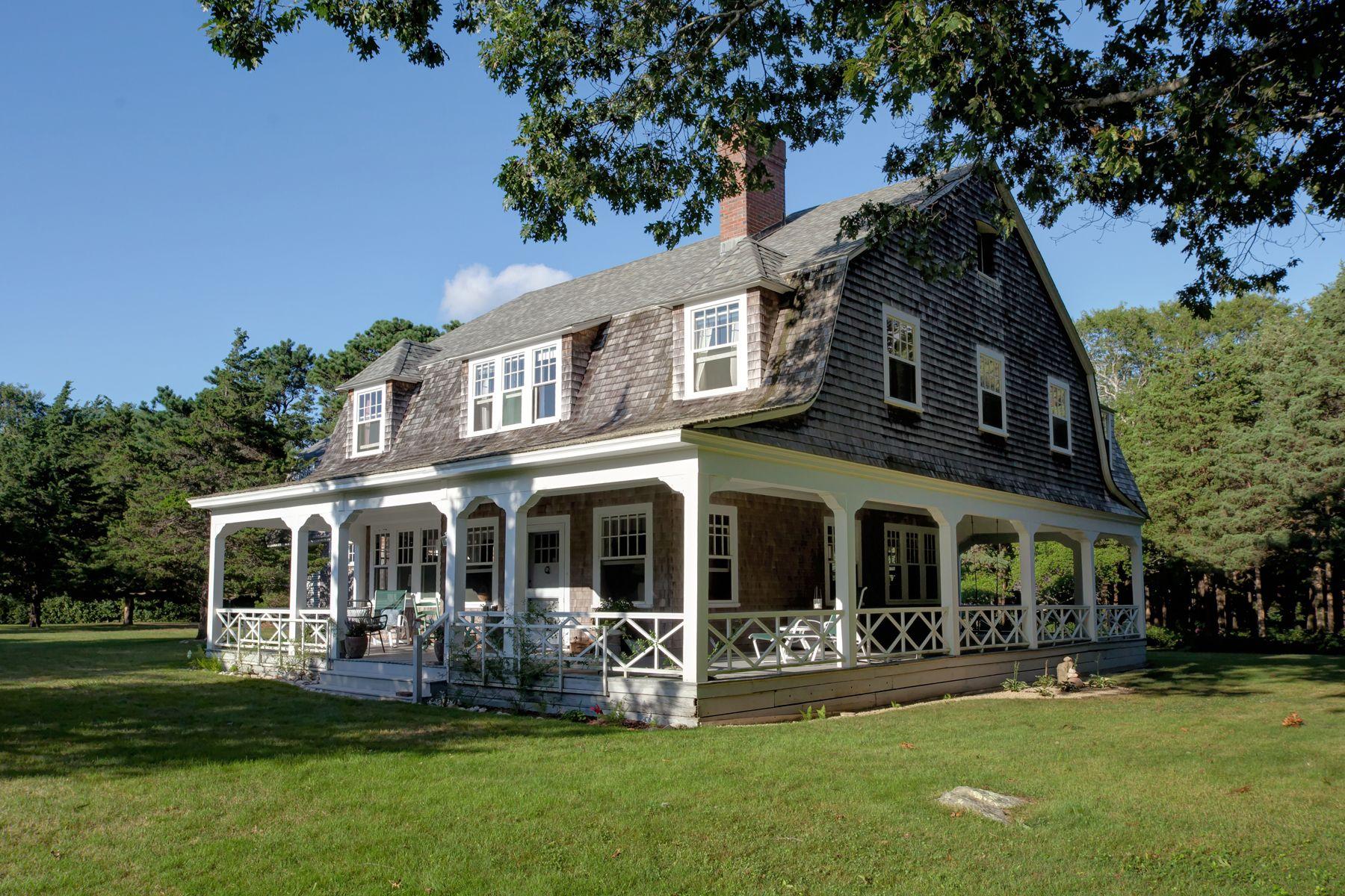 Single Family Homes 为 销售 在 西法尔茅斯, 马萨诸塞州 02574 美国