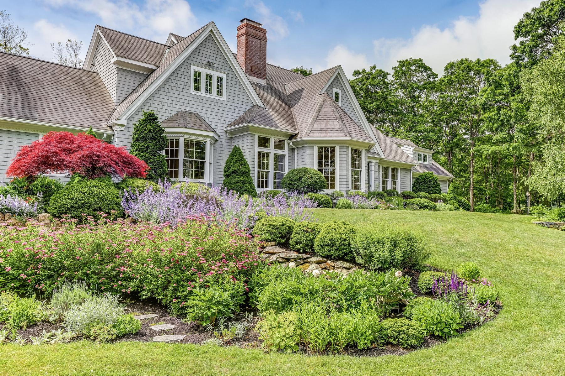 Single Family Homes 为 销售 在 58 Punch Bowl Drive 法尔茅斯, 马萨诸塞州 02540 美国