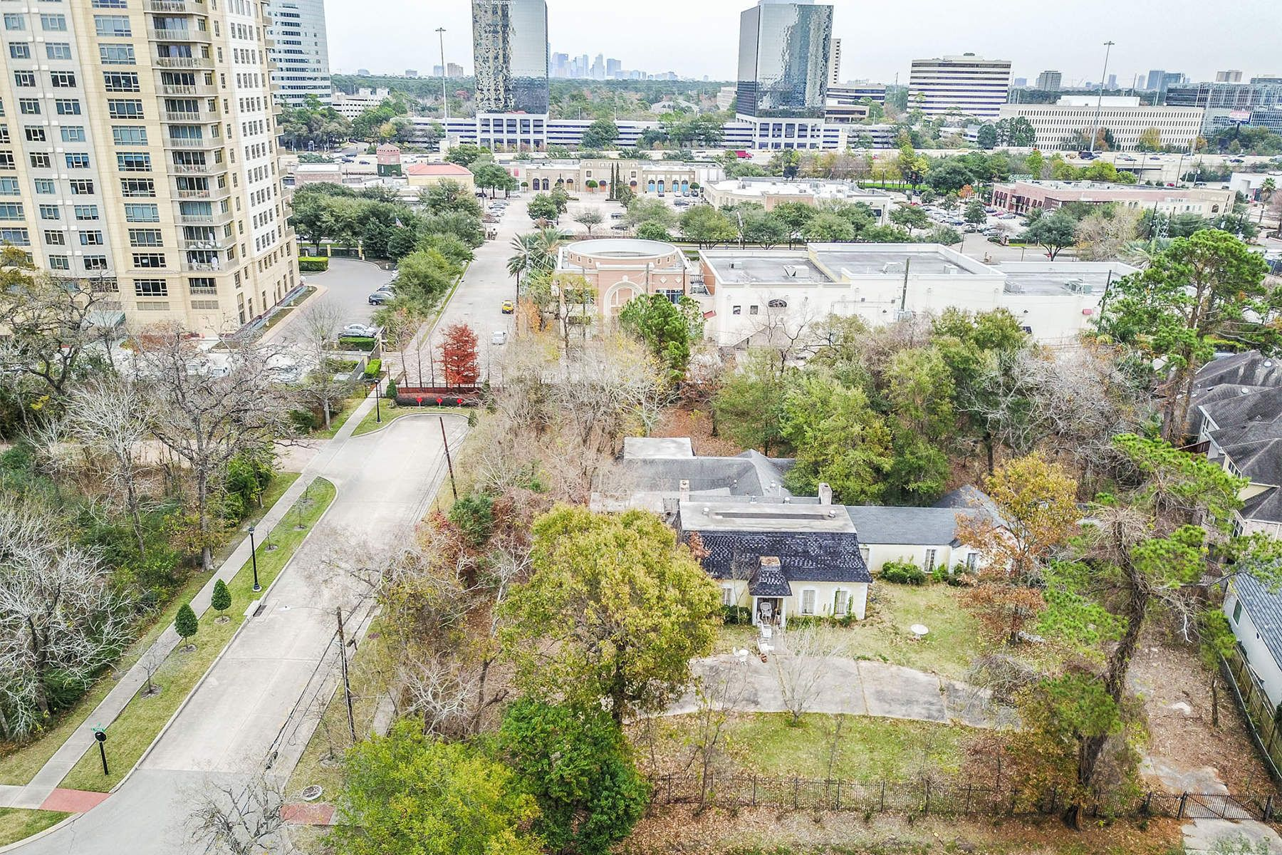 Land for Sale at 32 South Wynden Drive Houston, Texas 77056 United States