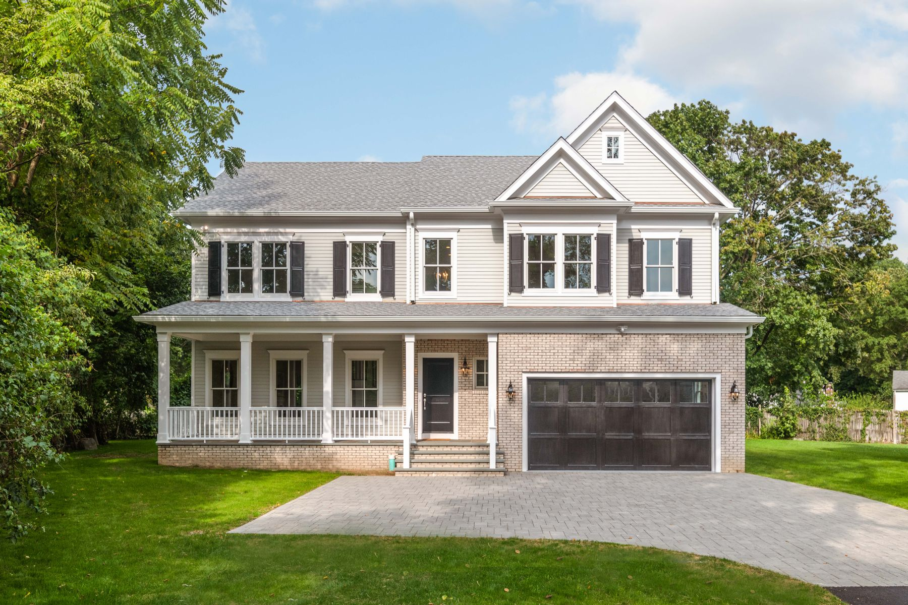 Single Family Homes for Sale at Live Abundantly in Old Greenwich 46 Sound Beach Avenue Old Greenwich, Connecticut 06870 United States