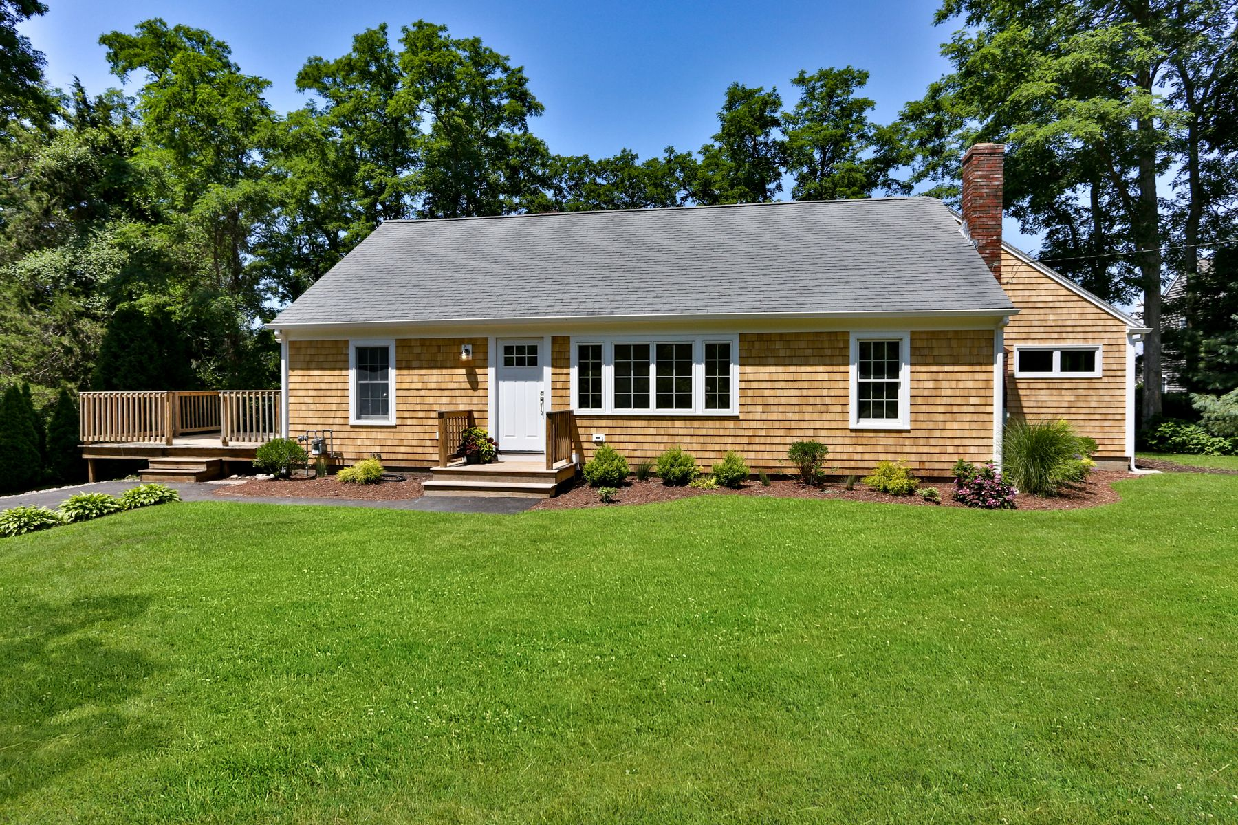 Single Family Homes for Sale at 842 West Falmouth Highway, Falmouth, MA 842 West Falmouth Highway West Falmouth, Massachusetts 02540 United States