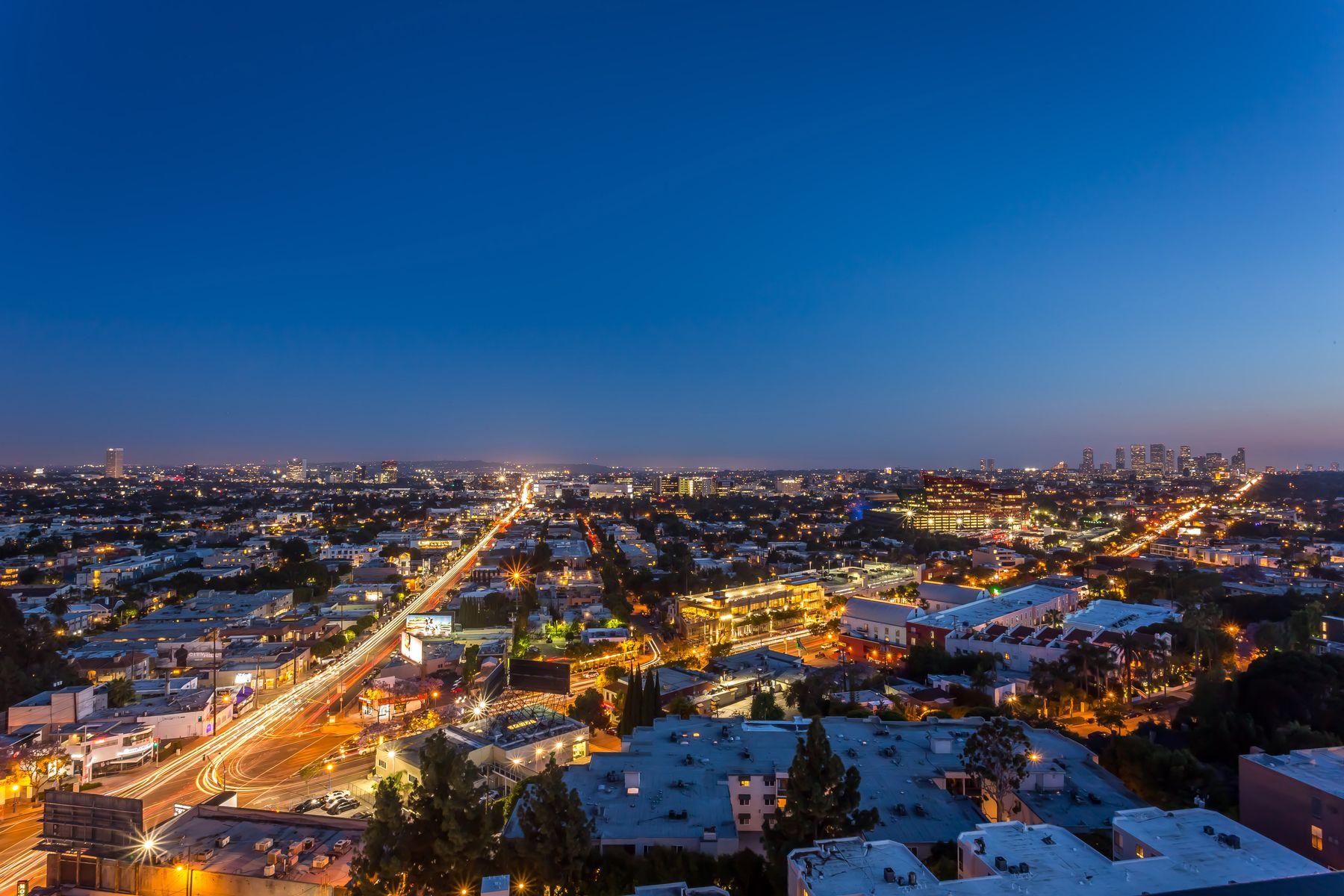 Condominiums por un Venta en Largest Available Unit in West Hollywood 1100 Alta Loma Road Unit 1508 Los Angeles, California 90069 Estados Unidos