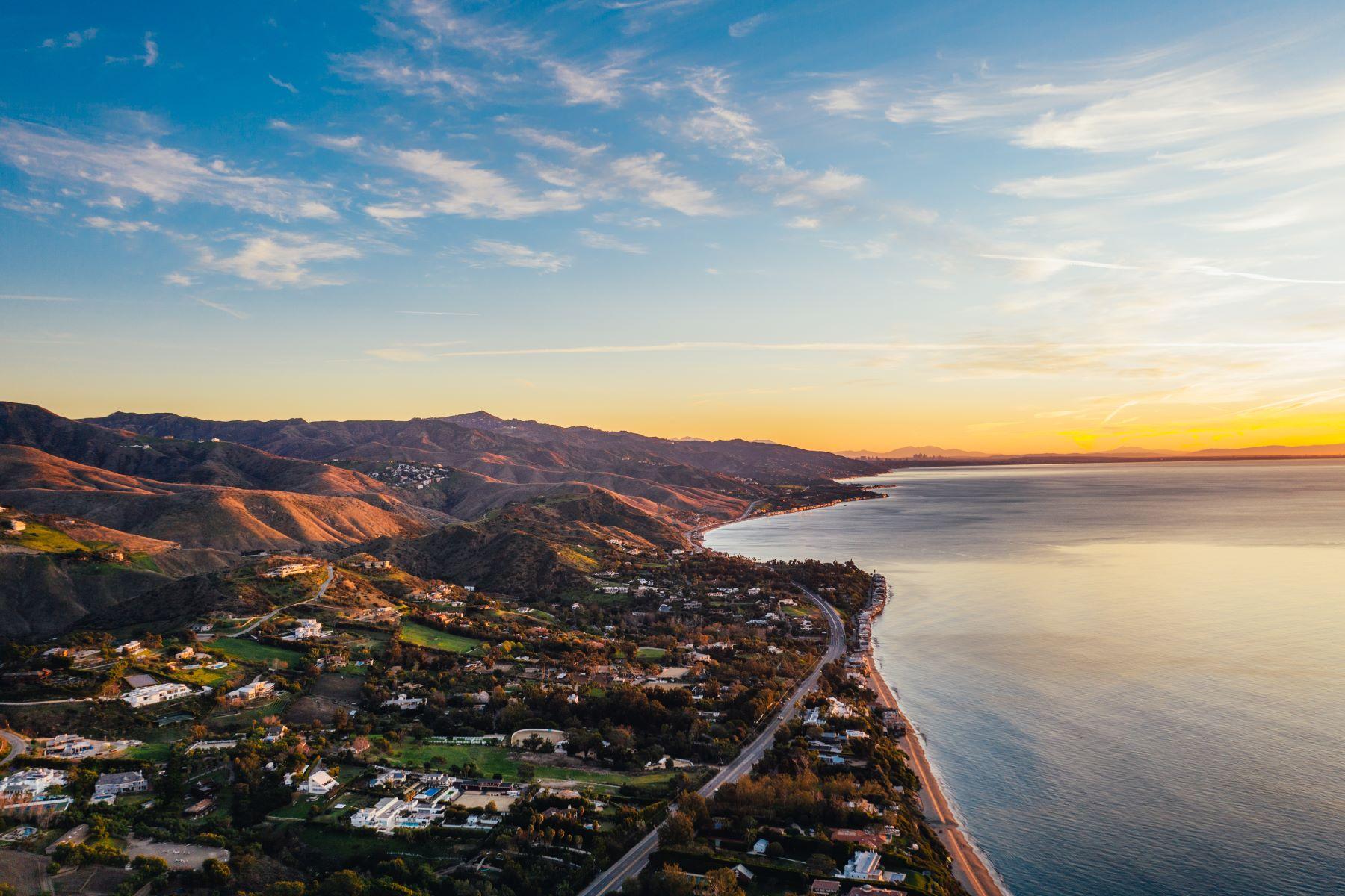 Additional photo for property listing at Mar de Amor 27930 Pacific Coast Highway, Malibu, Kalifornien 90265 Förenta staterna