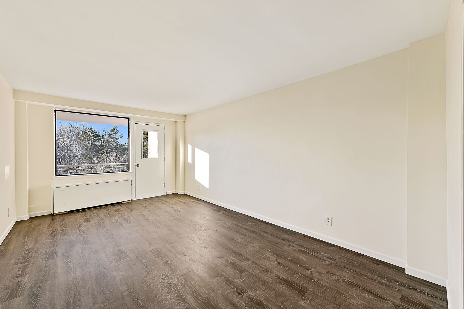 townhouses for Sale at 4901 Henry Hudson Parkway, Apt. 7C 4901 Henry Hudson Parkway Apt 7C Riverdale, New York 10471 United States