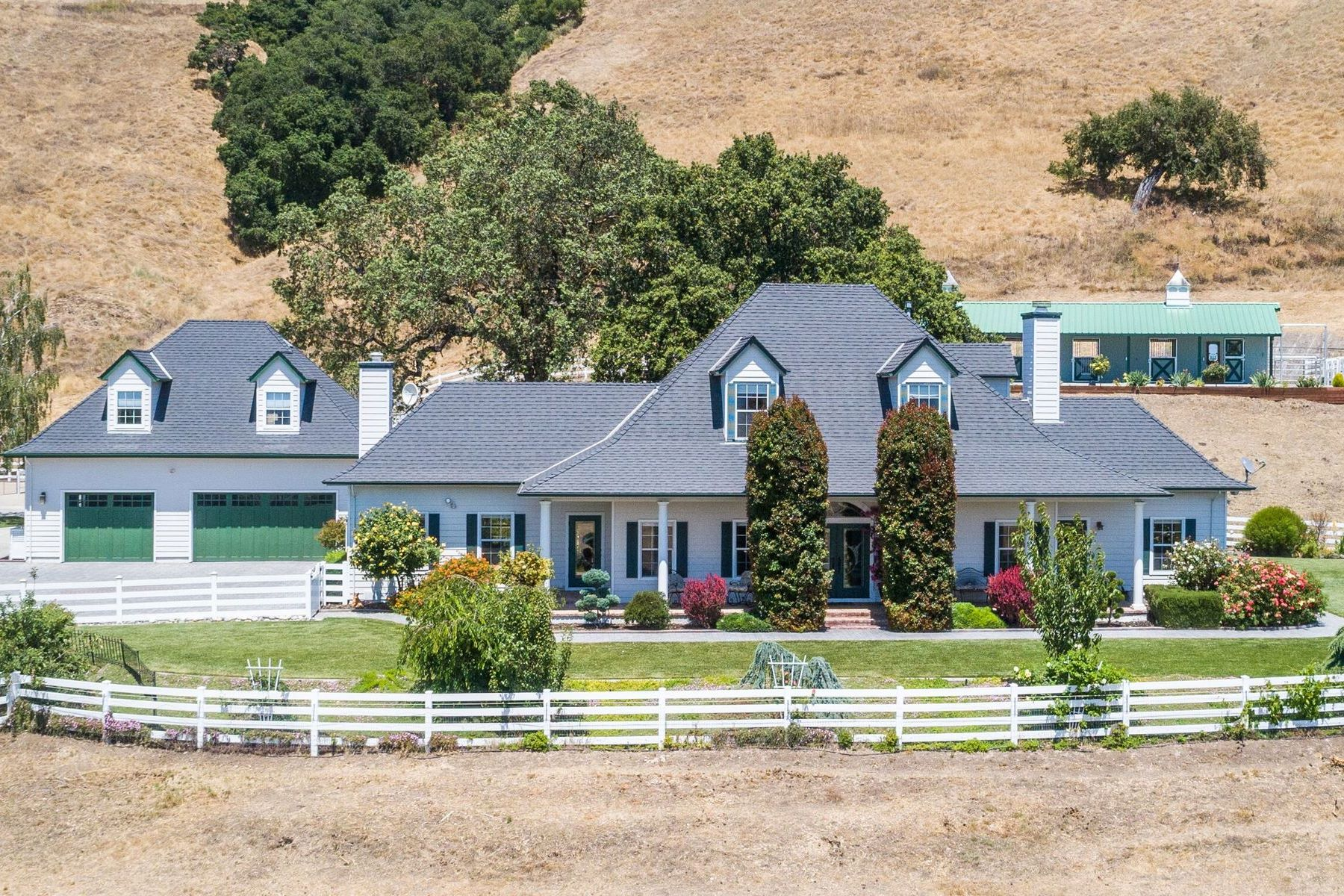 Vineyard Real Estate for Sale at Fantastic Retreat with Elegance for All 2563 Bridle Path Drive Gilroy, California 95020 United States