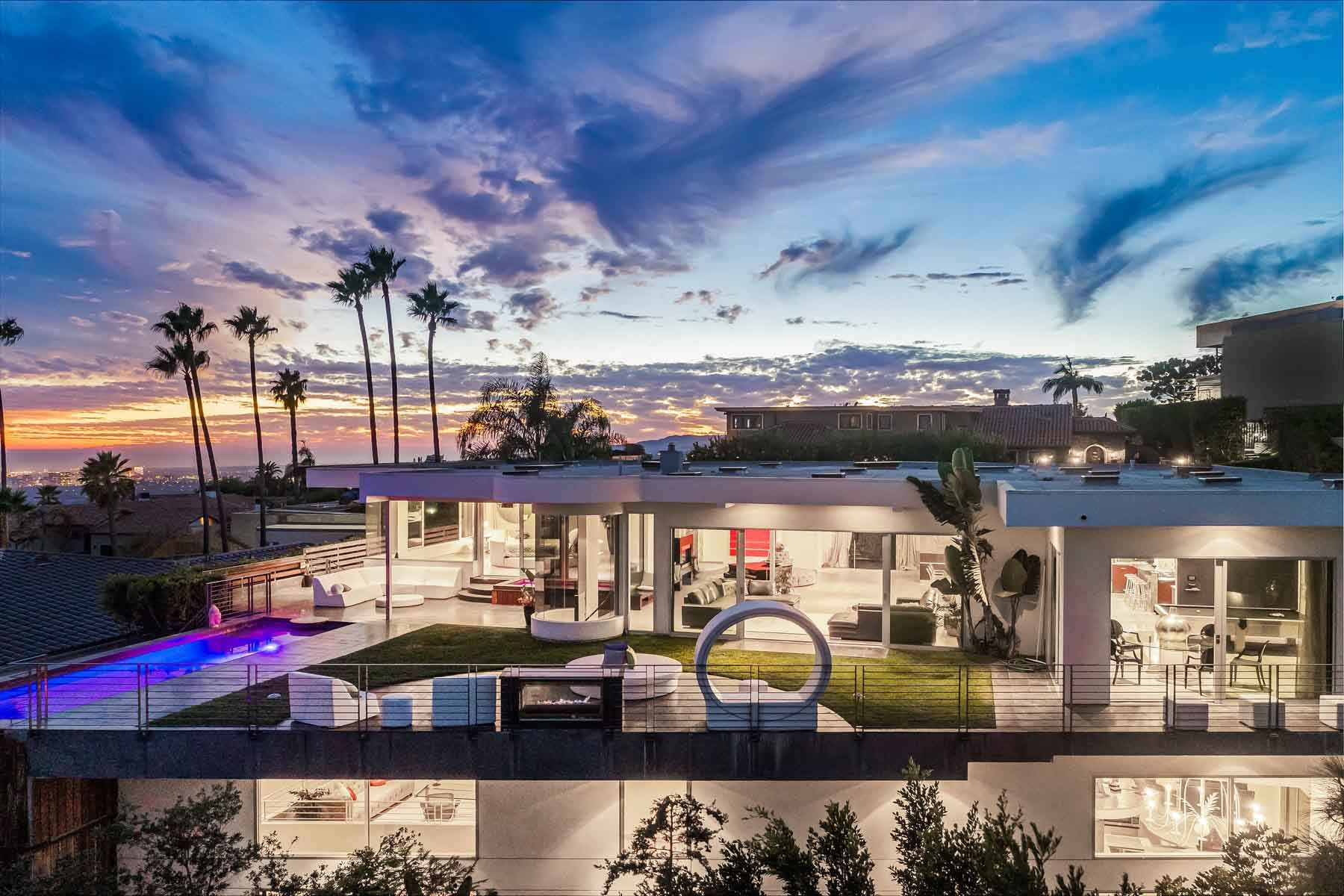 Single Family Homes por un Venta en Doheny Estates Architectural Showplace 9353 Nightingale Drive Los Angeles, California 90069 Estados Unidos