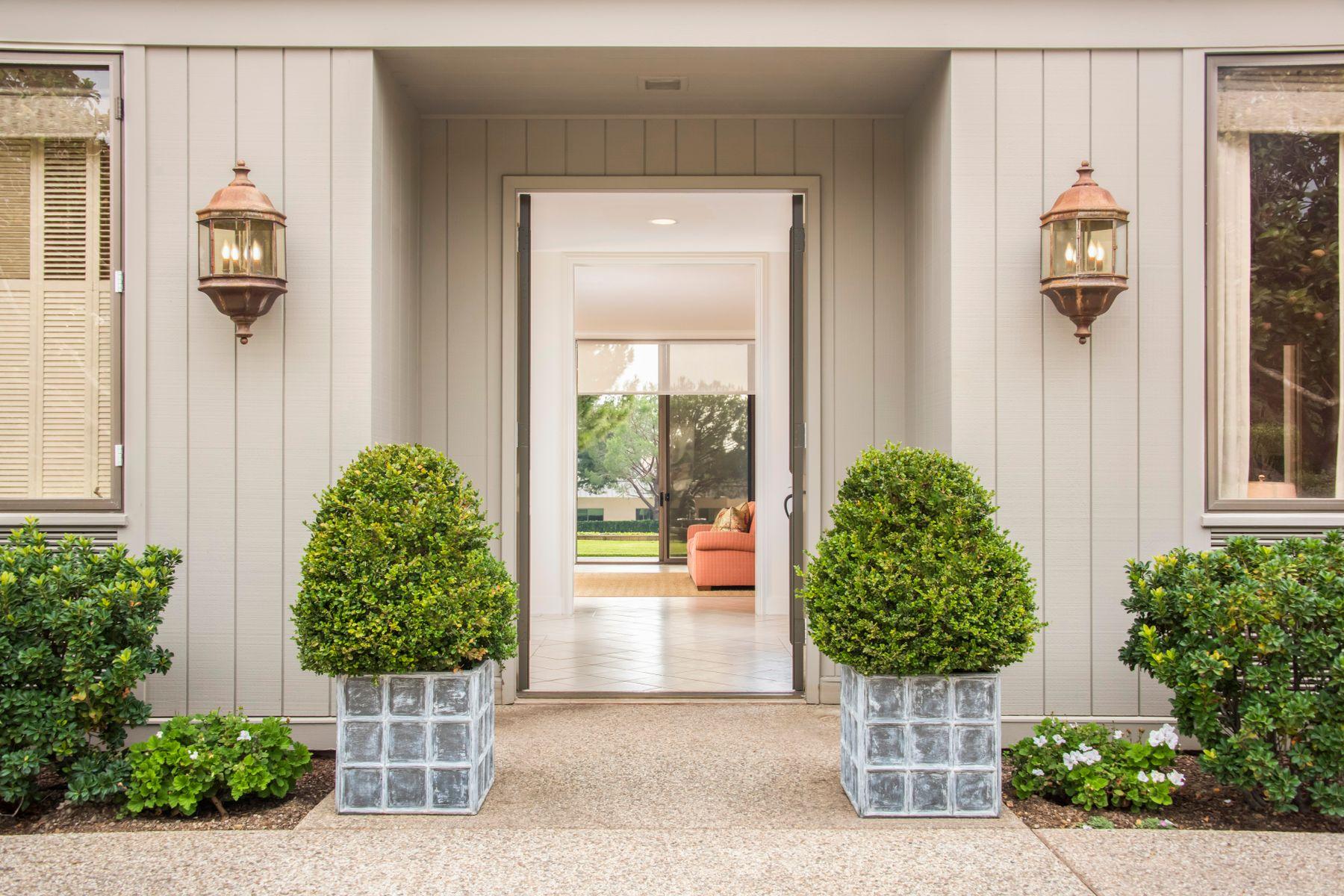 Single Family Homes for Sale at Birnam Wood Home in Prime Location! 2079 Birnam Wood Drive Santa Barbara, California 93108 United States