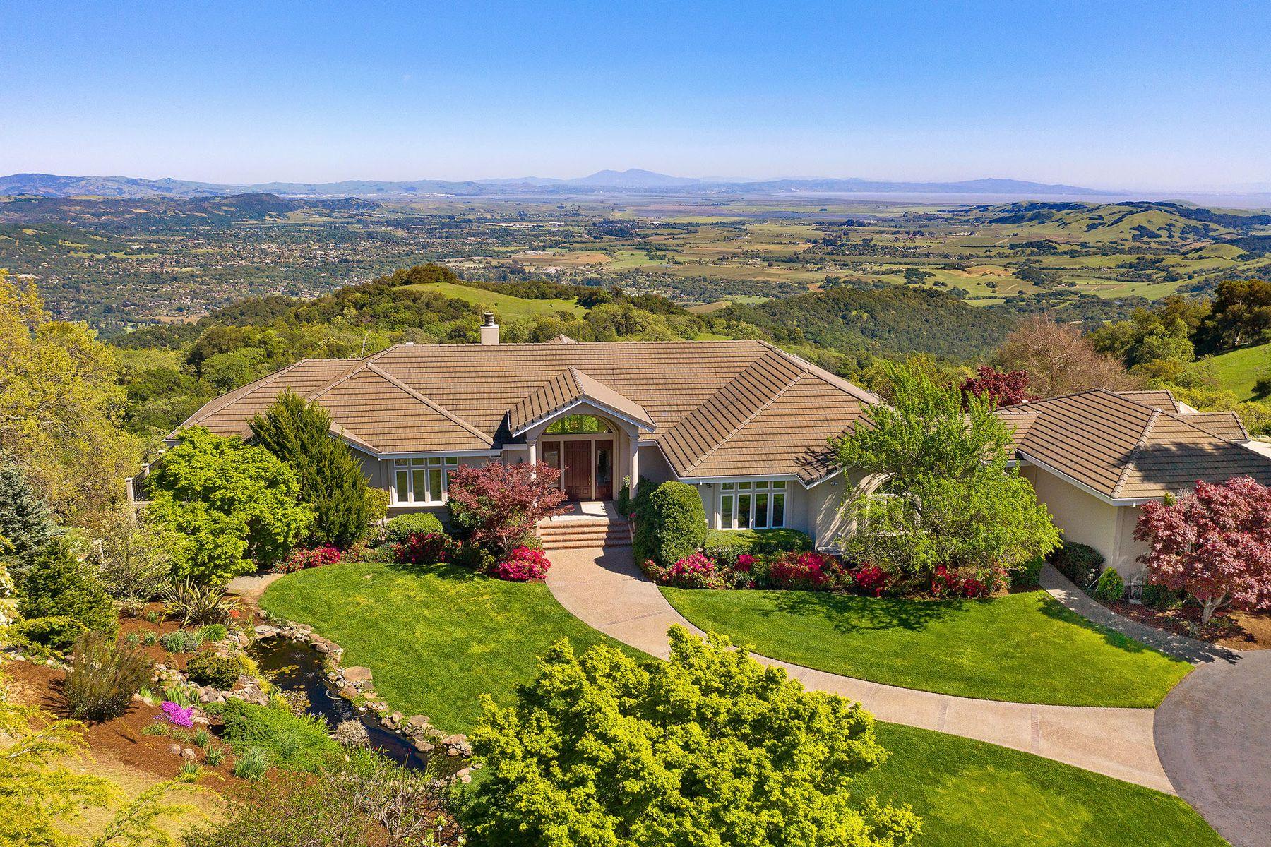 Single Family Homes por un Venta en Sweeping Views of Sonoma Valley 7050 Grove St Sonoma, California 95476 Estados Unidos
