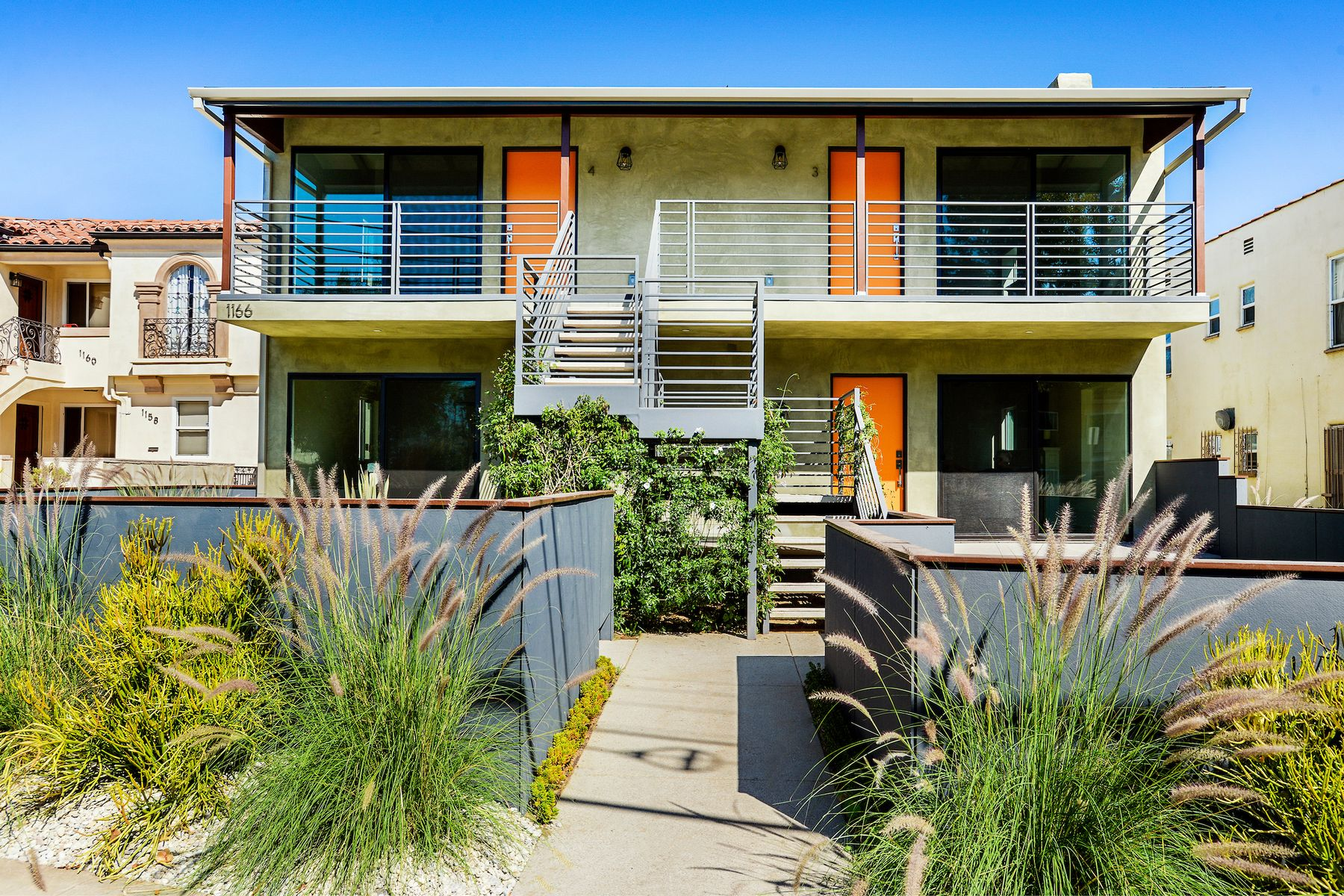 Multi-Family Homes for Active at 1166 South Cochran Avenue Los Angeles, California 90019 United States
