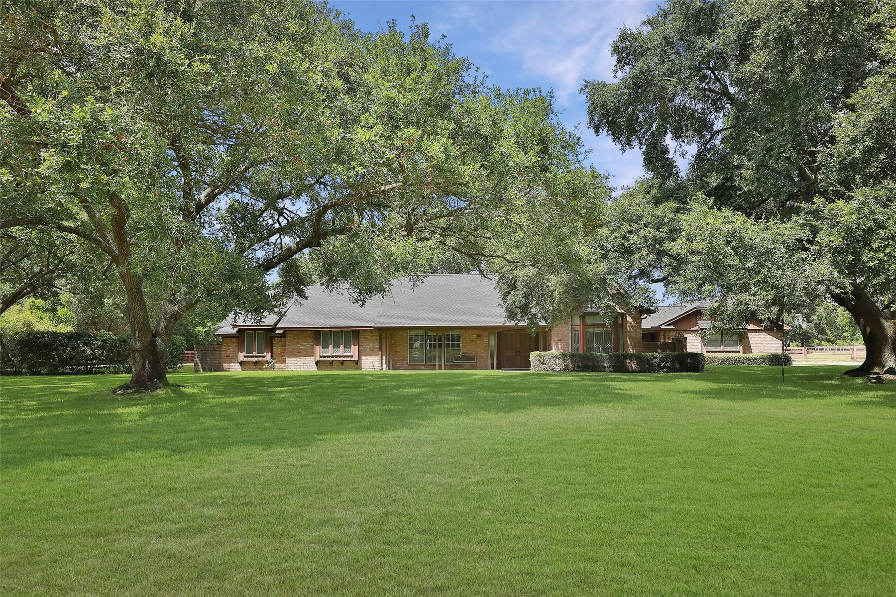 Single Family Homes for Sale at 17414 Queenslake Drive Cypress, Texas 77429 United States
