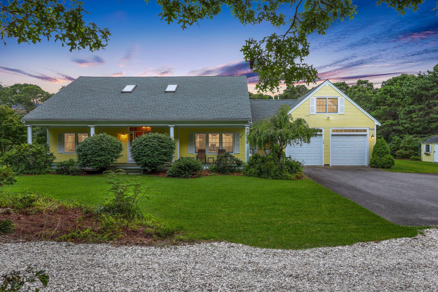 Single Family Homes por un Venta en 25 Soares Lane East Falmouth, Massachusetts 02540 Estados Unidos