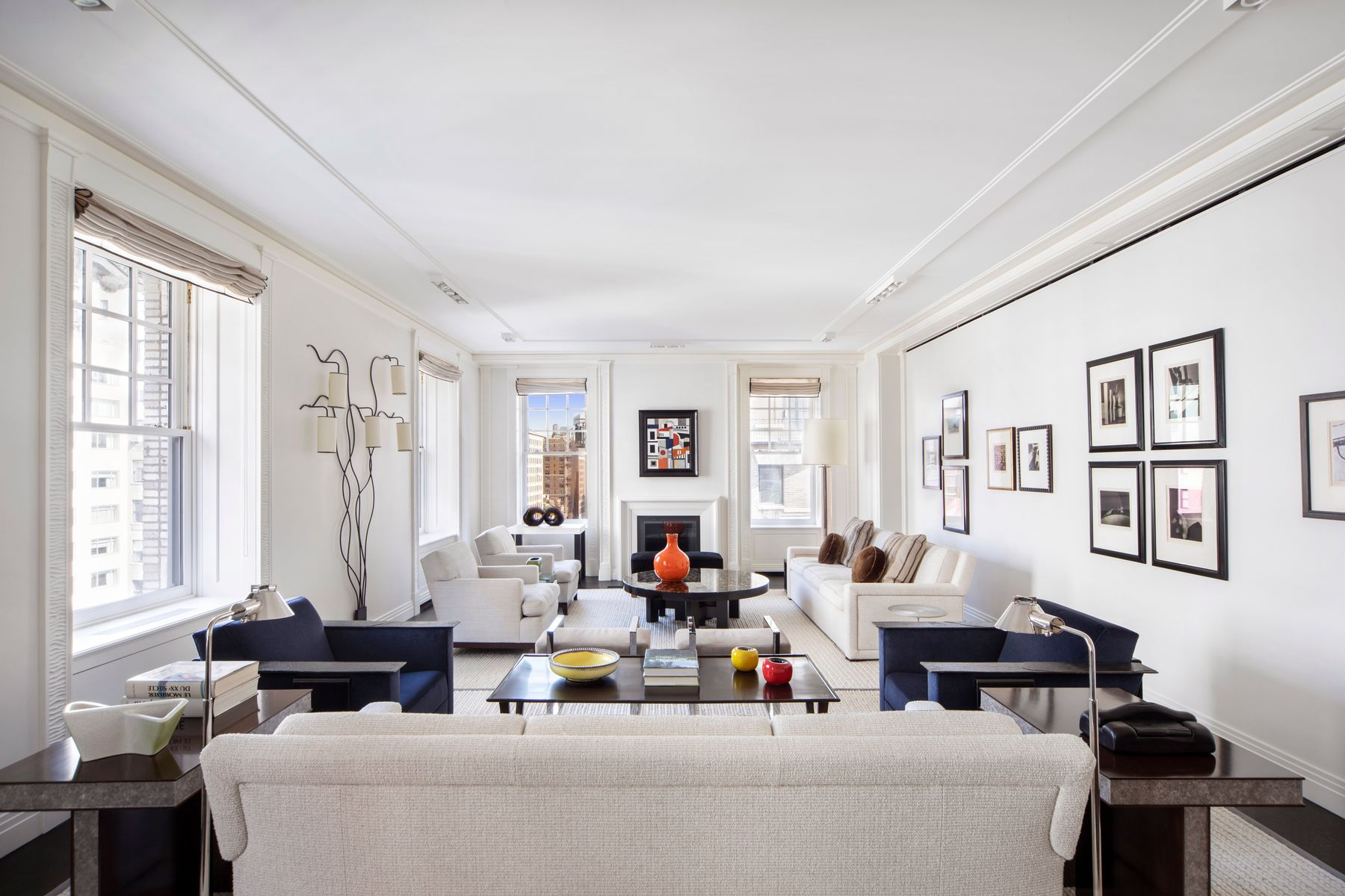 condominiums for Sale at 525 Park Avenue, 11AB 525 Park Avenue 11AB New York, New York 10065 United States
