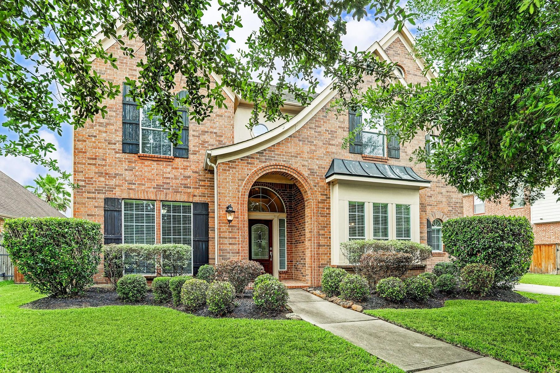 Single Family Homes for Sale at 14715 Winston Falls Lane Humble, Texas 77396 United States