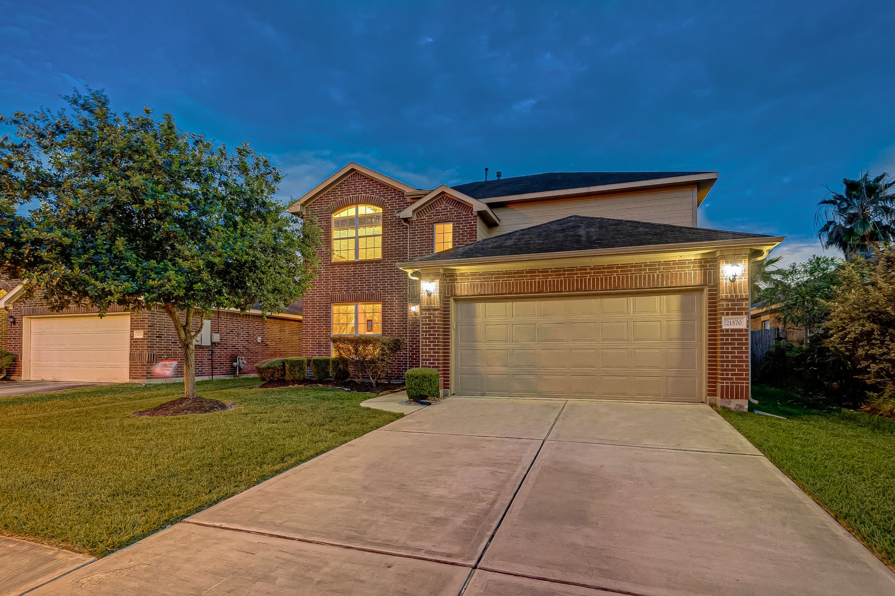 Single Family Homes for Sale at 21570 Kings Bend Drive Kingwood, Texas 77339 United States