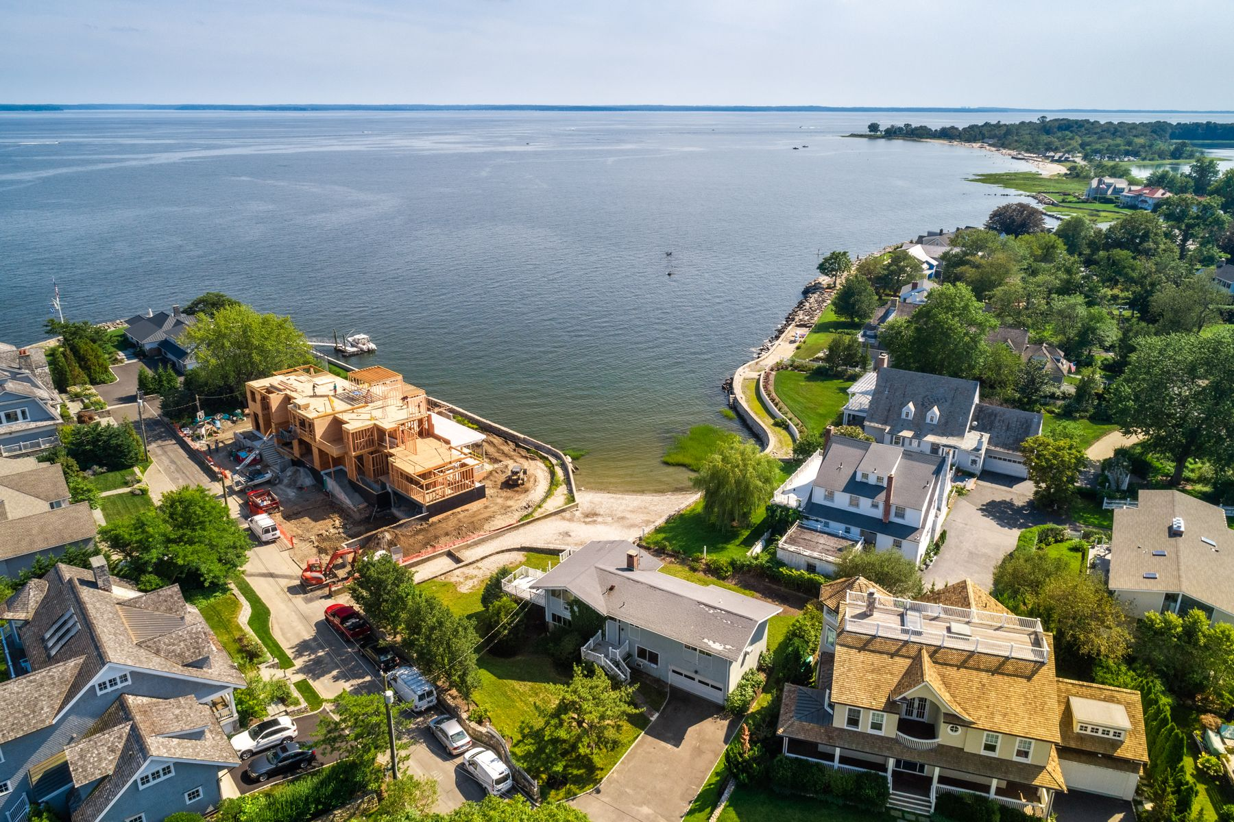 Single Family Homes для того Продажа на Panoramic Waterfront - Old Greenwich 12 East Point Lane Old Greenwich, Коннектикут 06870 Соединенные Штаты