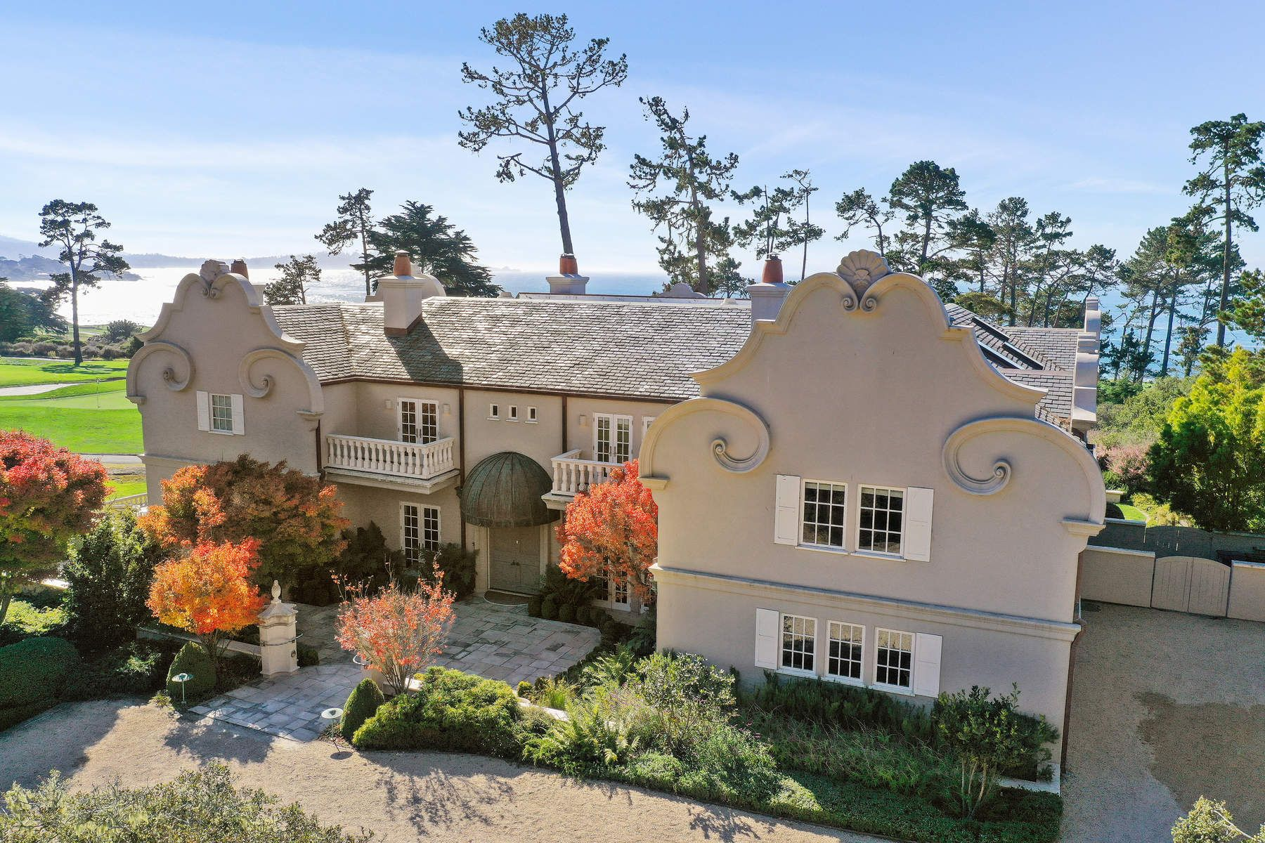 Single Family Homes のために 売買 アット Sophisticated Pebble Beach Estate 3410 17 Mile Drive, Pebble Beach, カリフォルニア 93953 アメリカ