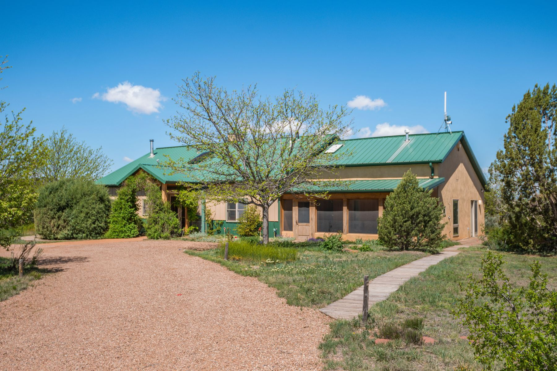 Single Family Homes للـ Sale في Cerrillos, New Mexico 87010 United States
