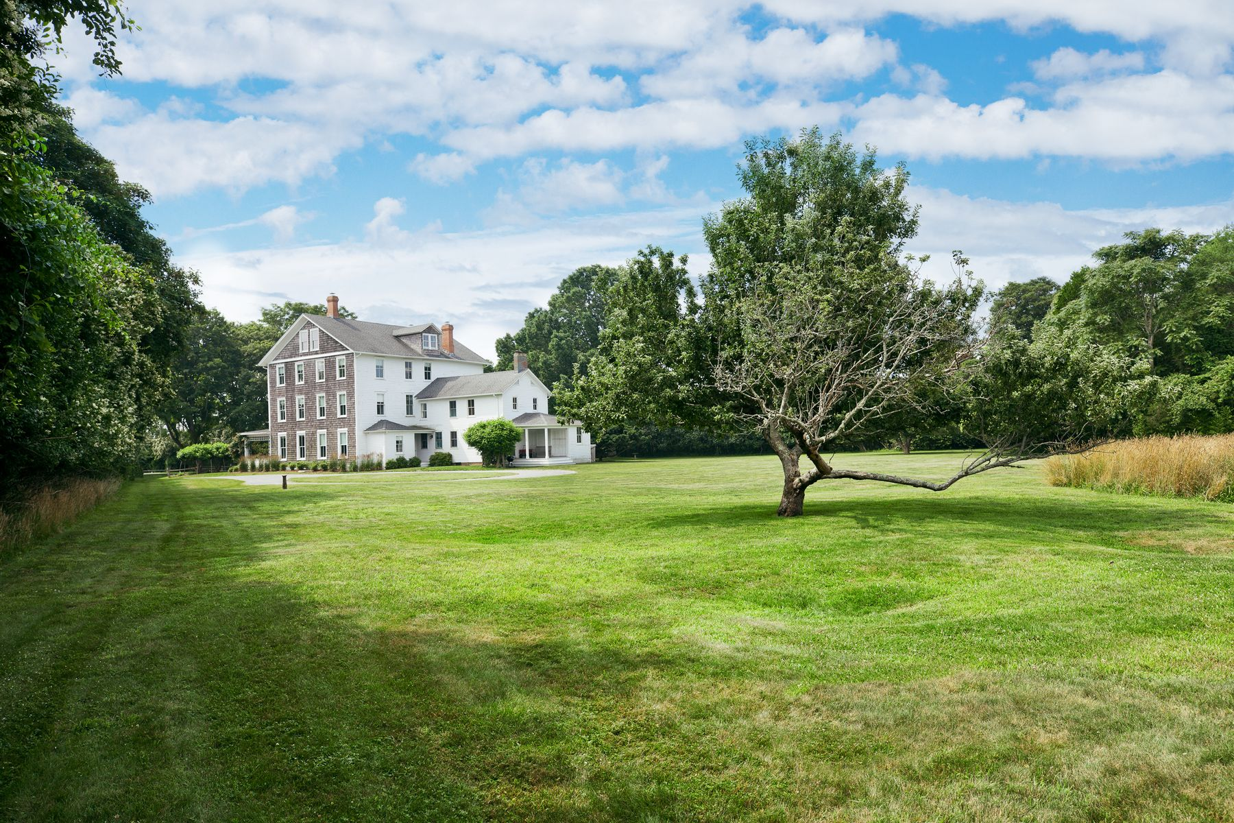 Single Family Homes for Active at 4 Acre Estate Near Ocean 72 Apaquogue Road East Hampton, New York 11937 United States