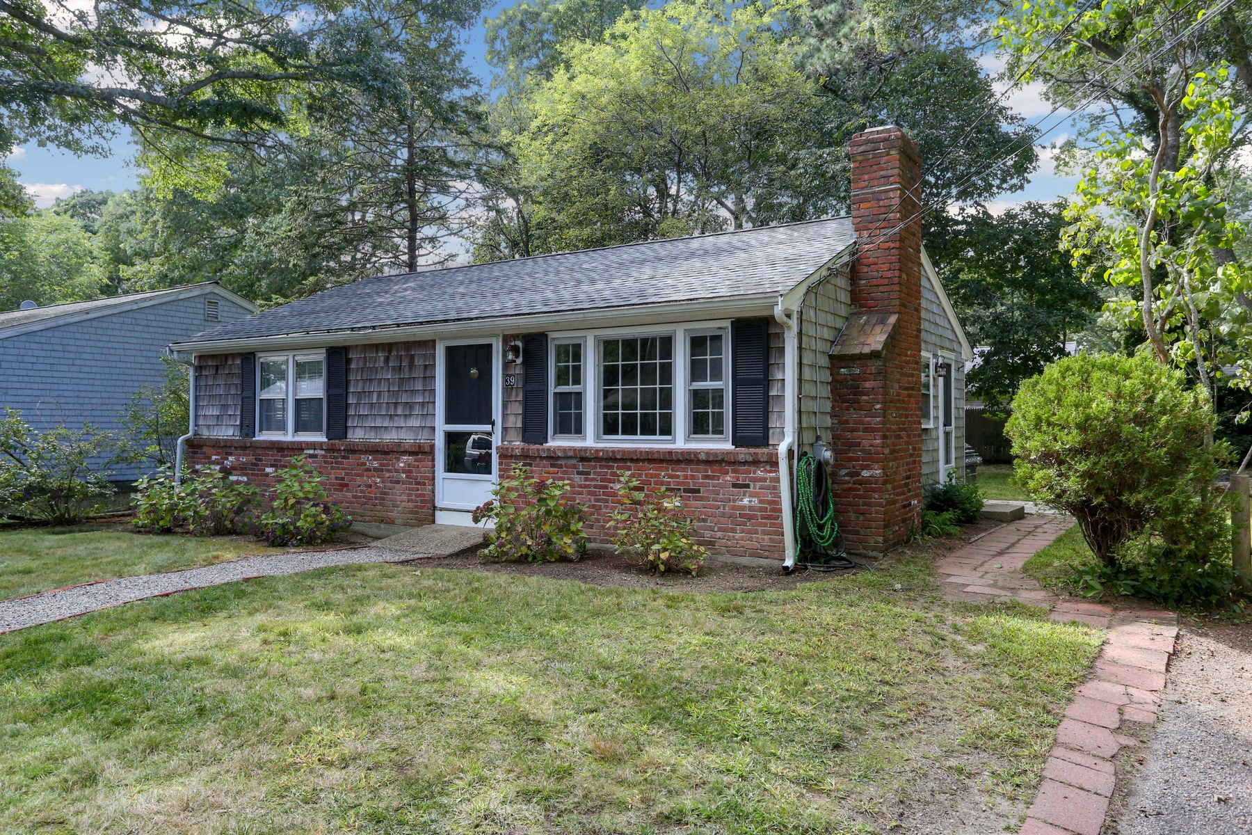 Single Family Homes por un Venta en 39 Harbor Hills Road Centerville, Massachusetts 02632 Estados Unidos