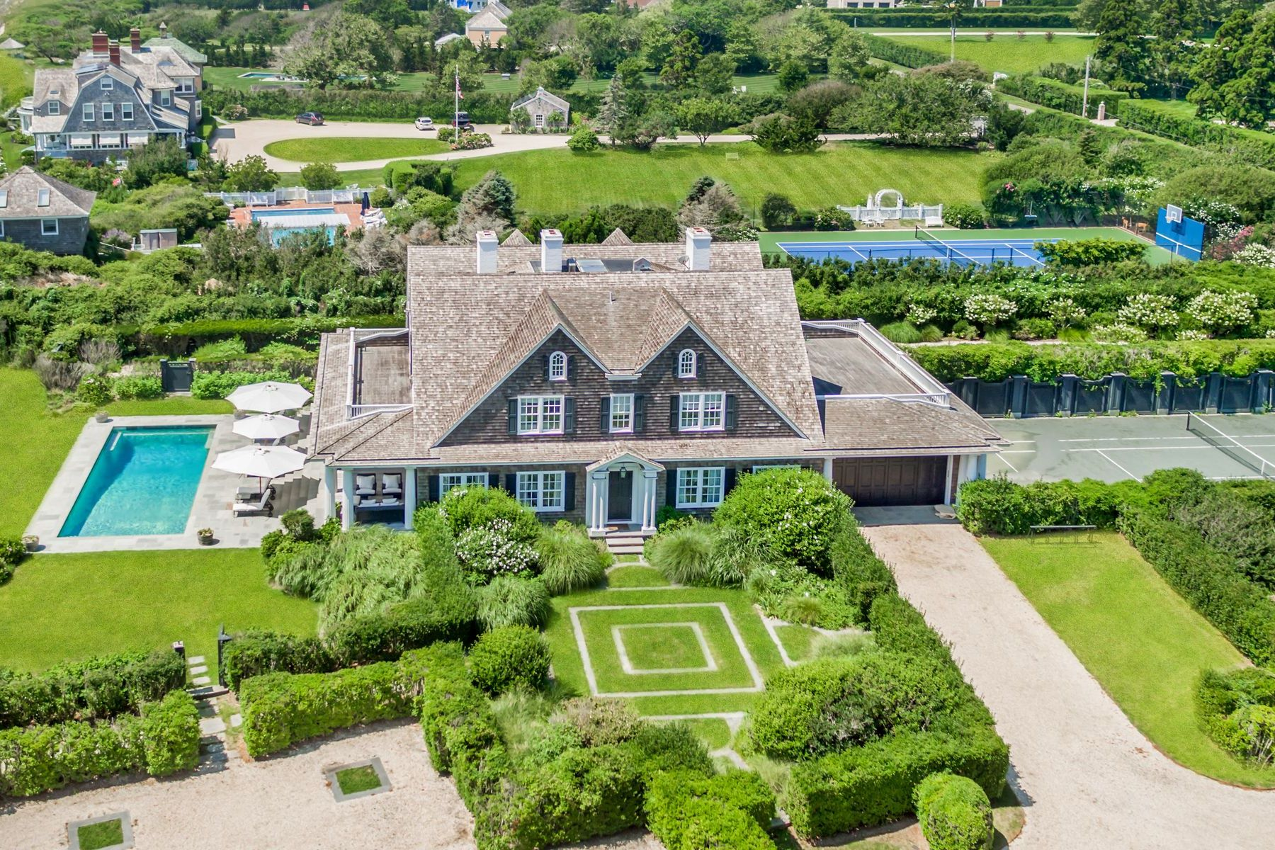 Additional photo for property listing at 366 & 376 Gin Lane, Southampton 366 & 376 Gin Lane Southampton, New York 11968 United States