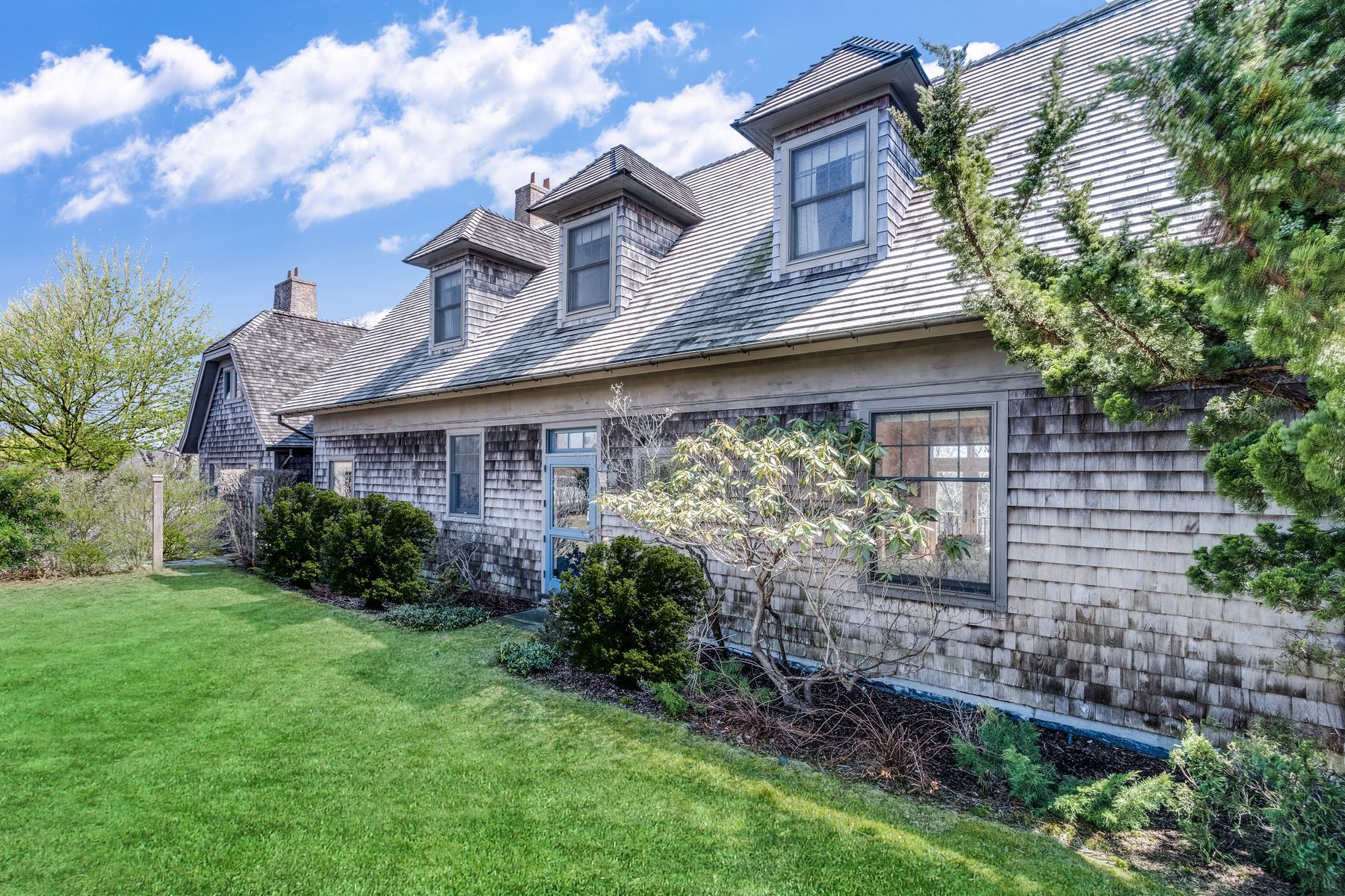 Single Family Homes for Sale at Ocean View Fleetwood Cottage 161 Bluff Road Amagansett, New York 11930 United States