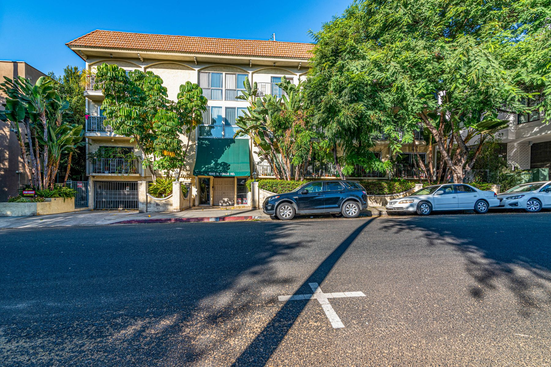 Condominiums for Sale at 1045 North Kings Road West Hollywood, California 90069 United States