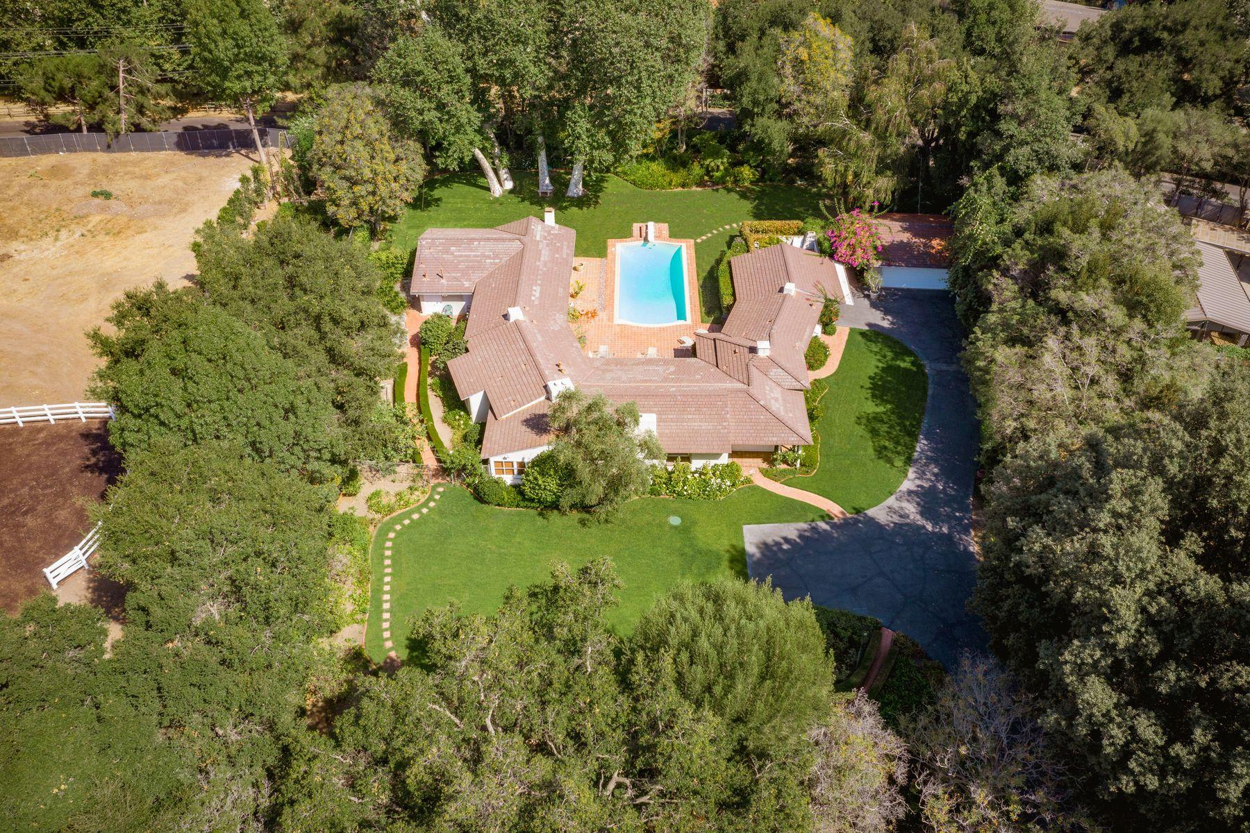 Single Family Homes 为 销售 在 1614 Old Oak Road 洛杉矶, 加利福尼亚州 90049 美国