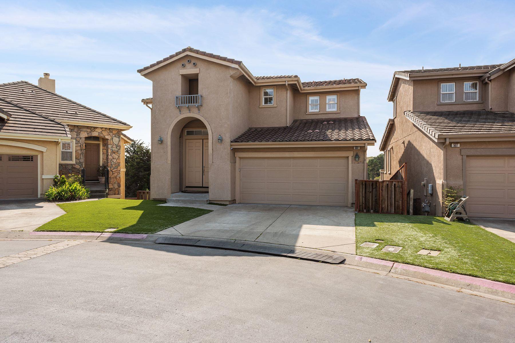Single Family Homes por un Venta en The Crown Jewel of the Skyridge Estates 551 Sea Spray Ct Pacifica, California 94044 Estados Unidos