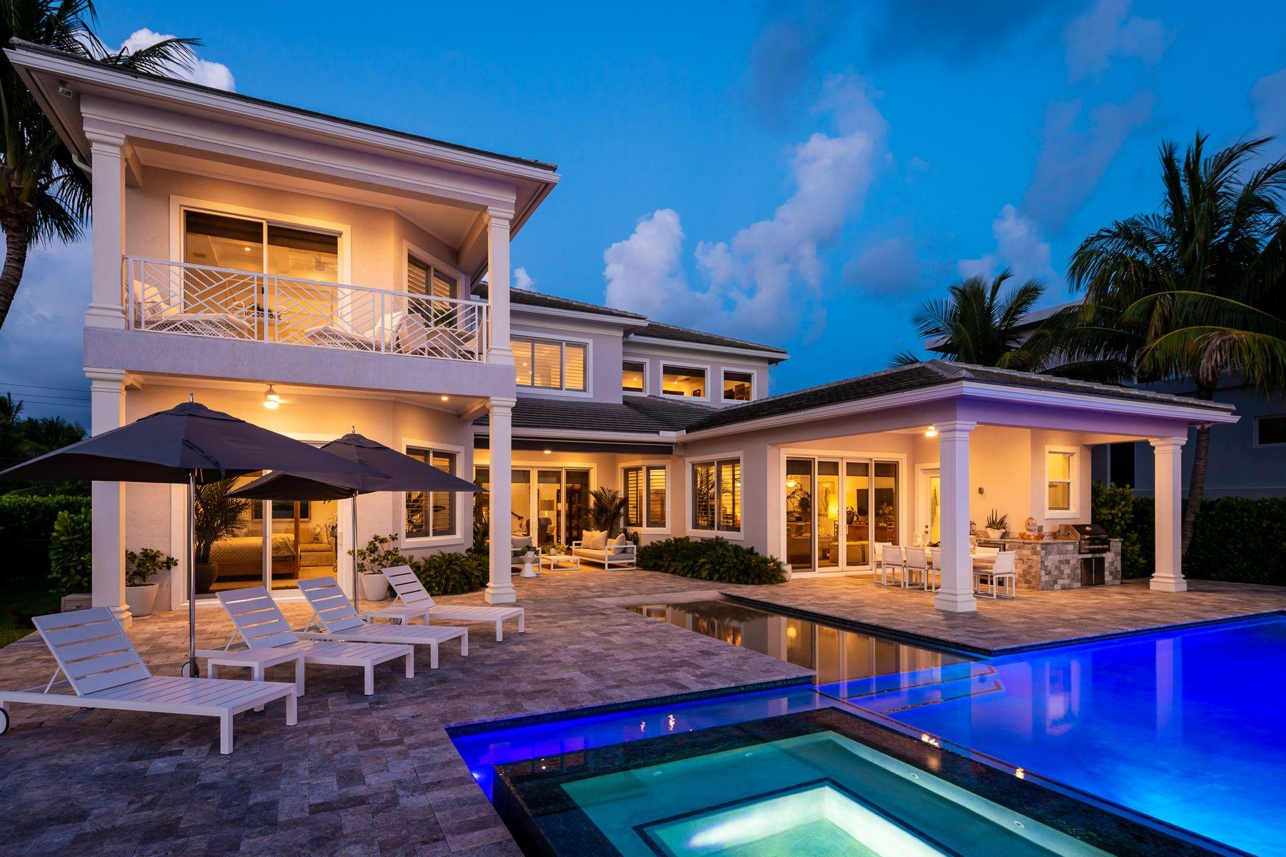 Single Family Homes için Satış at 317 S Atlantic Drive Lantana, Florida 33462 Amerika Birleşik Devletleri