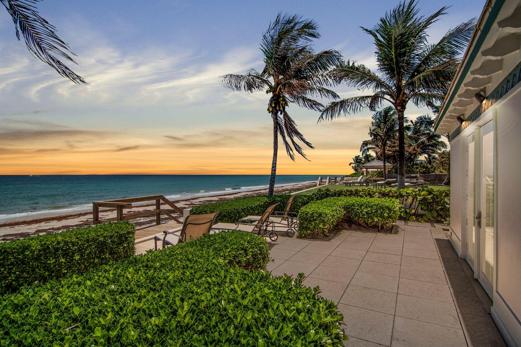 Single Family Homes por un Venta en Classic Beach House 101 Nightingale Trl, Palm Beach, Florida 33480 Estados Unidos
